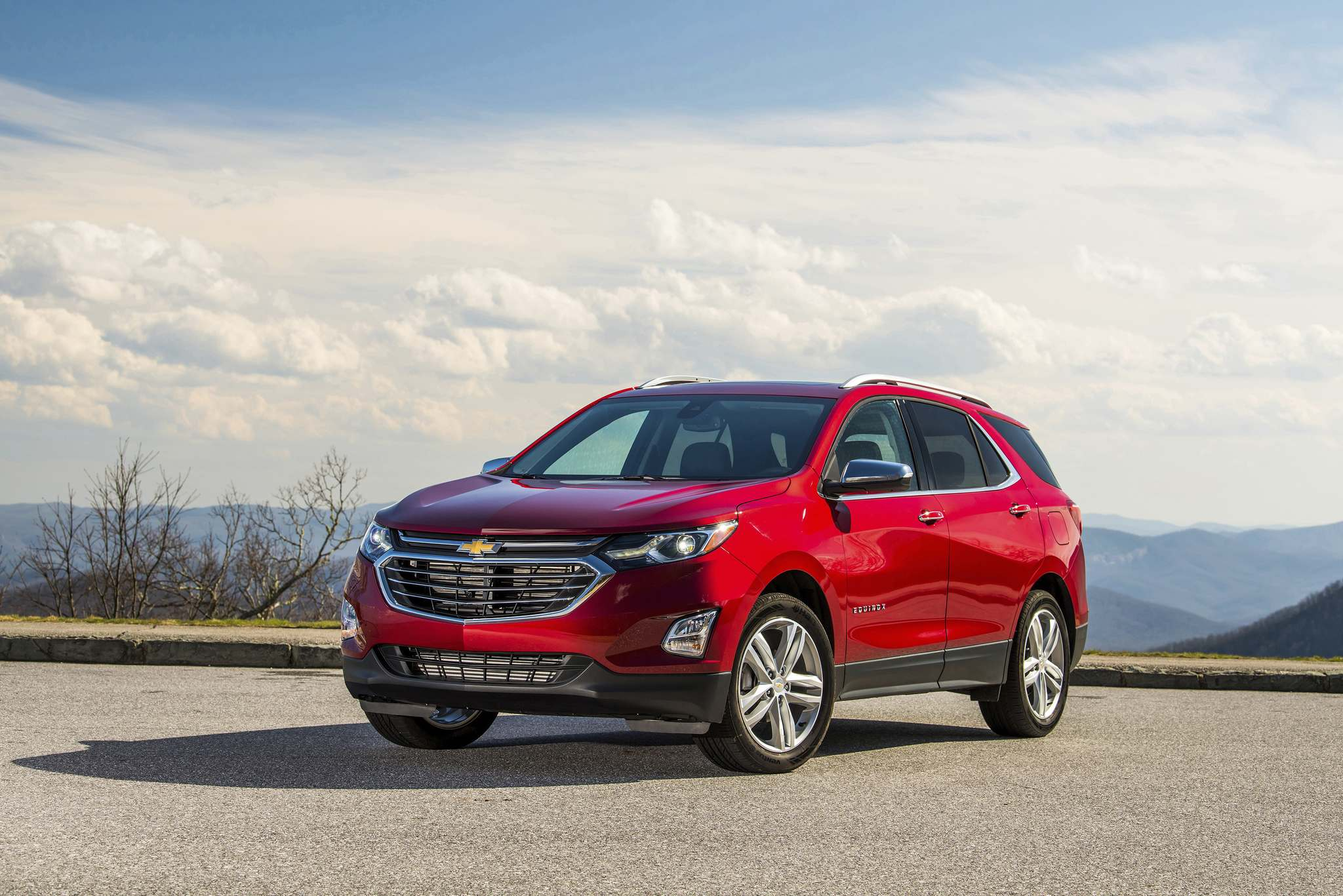 General Motors CanadaThe 2018 Chevrolet Equinox is a fresh and modern SUV with an all-new athletic look echoing the global Chevrolet design cues seen on vehicles such as the Cruze, Bolt EV and Trax.