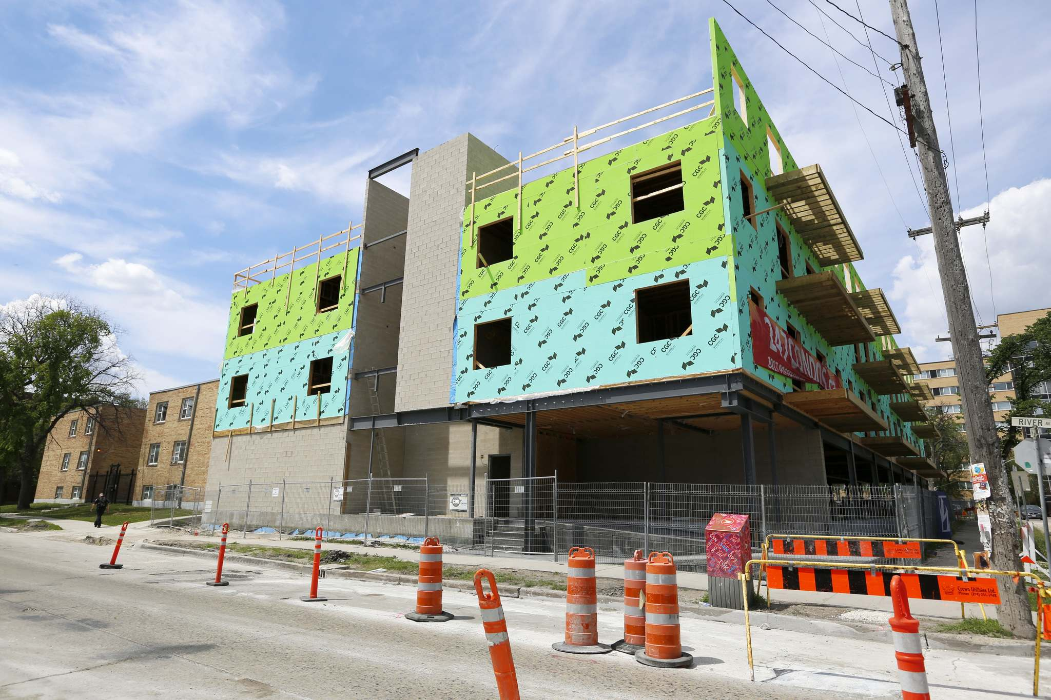 A vagueness in city documents has fuelled disputes between homeowners who expect city hall to protect the character of their neighbourhoods versus developers promoting needed residential infill projects. (Justin Samanski-Langille / Winnipeg Free Press files)