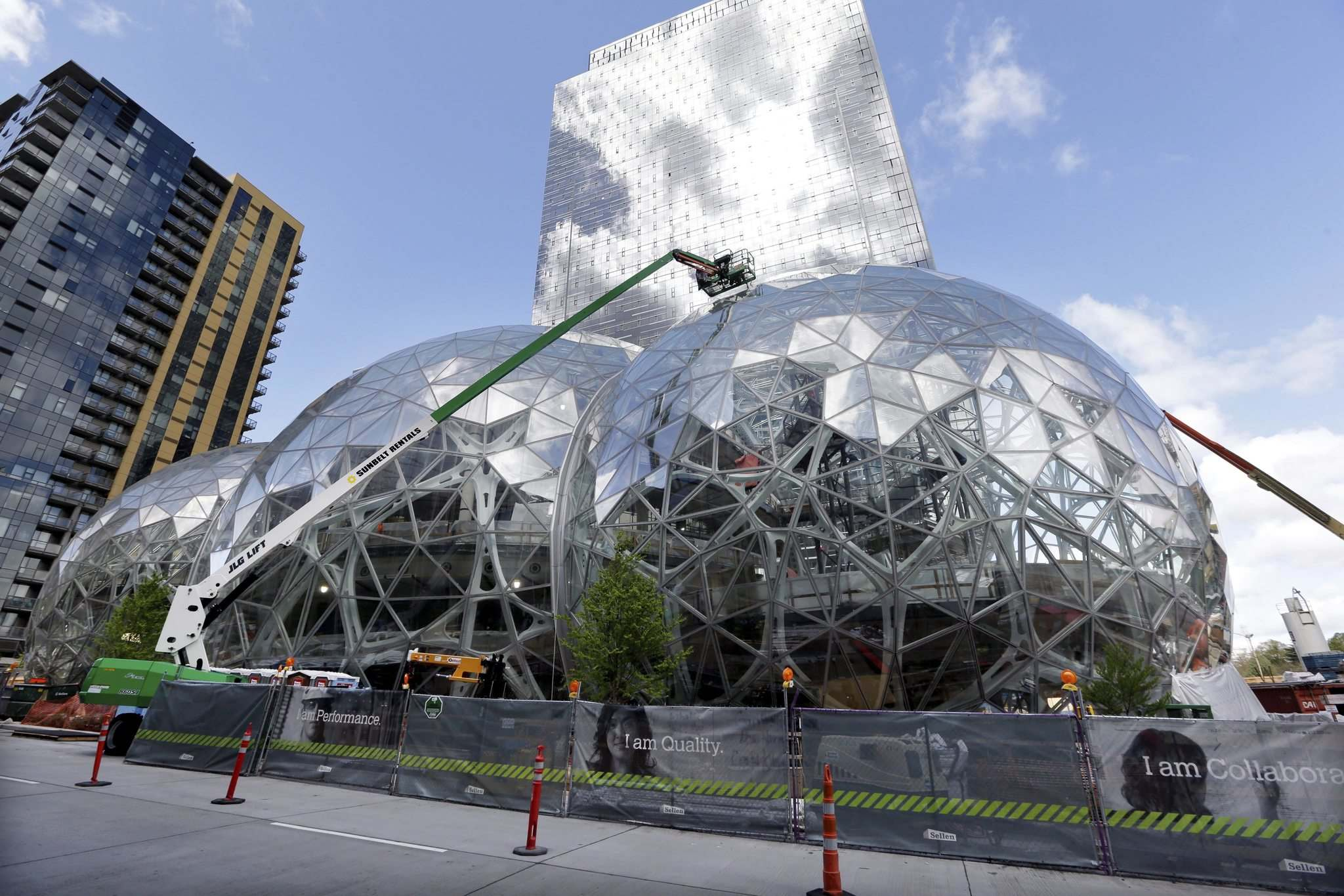 Elaine Thompson / The Associated Press Files</p><p>Construction at Amazon's campus in downtown Seattle. Amazon's search for a second headquarters provides insight into what makes a city attractive to progressive companies.</p>