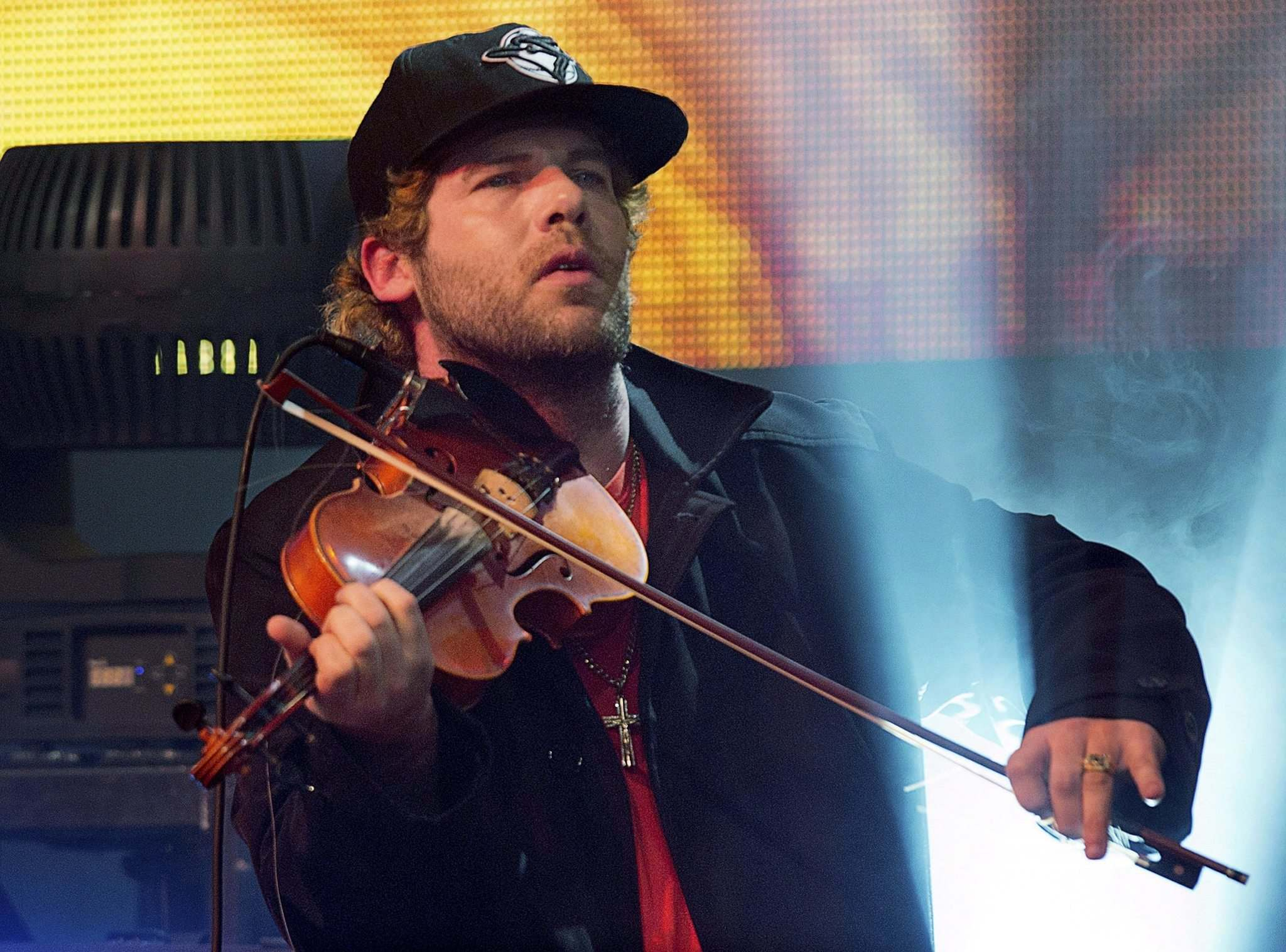 <p>Fiddler Ashley MacIsaac will be playing nice this weekend as part of the Winnipeg Symphony Orchestra's Pop series.</p>