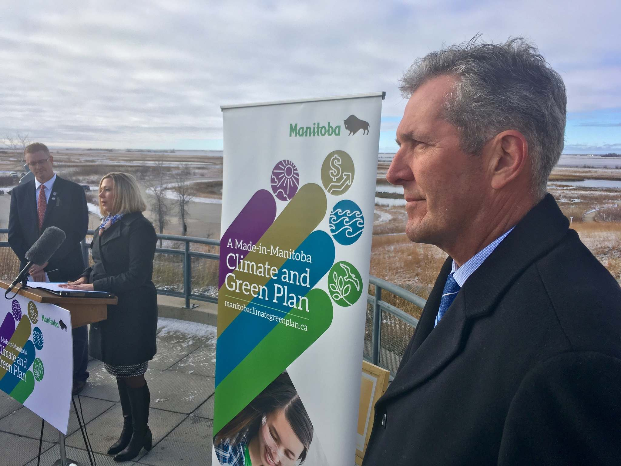 BORIS MINKEVICH / WINNIPEG FREE PRESS</p><p>Premier Brian Pallister (right) attends the formal announcement of the province's Climate and Green Plan on Friday.</p>