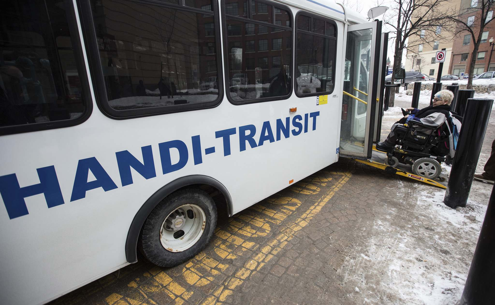 MIKE DEAL / WINNIPEG FREE PRESS FILES</p><p>A contest to rename Handi-Transit is a waste of time and money, the Independent Living Resource Centre says.</p>