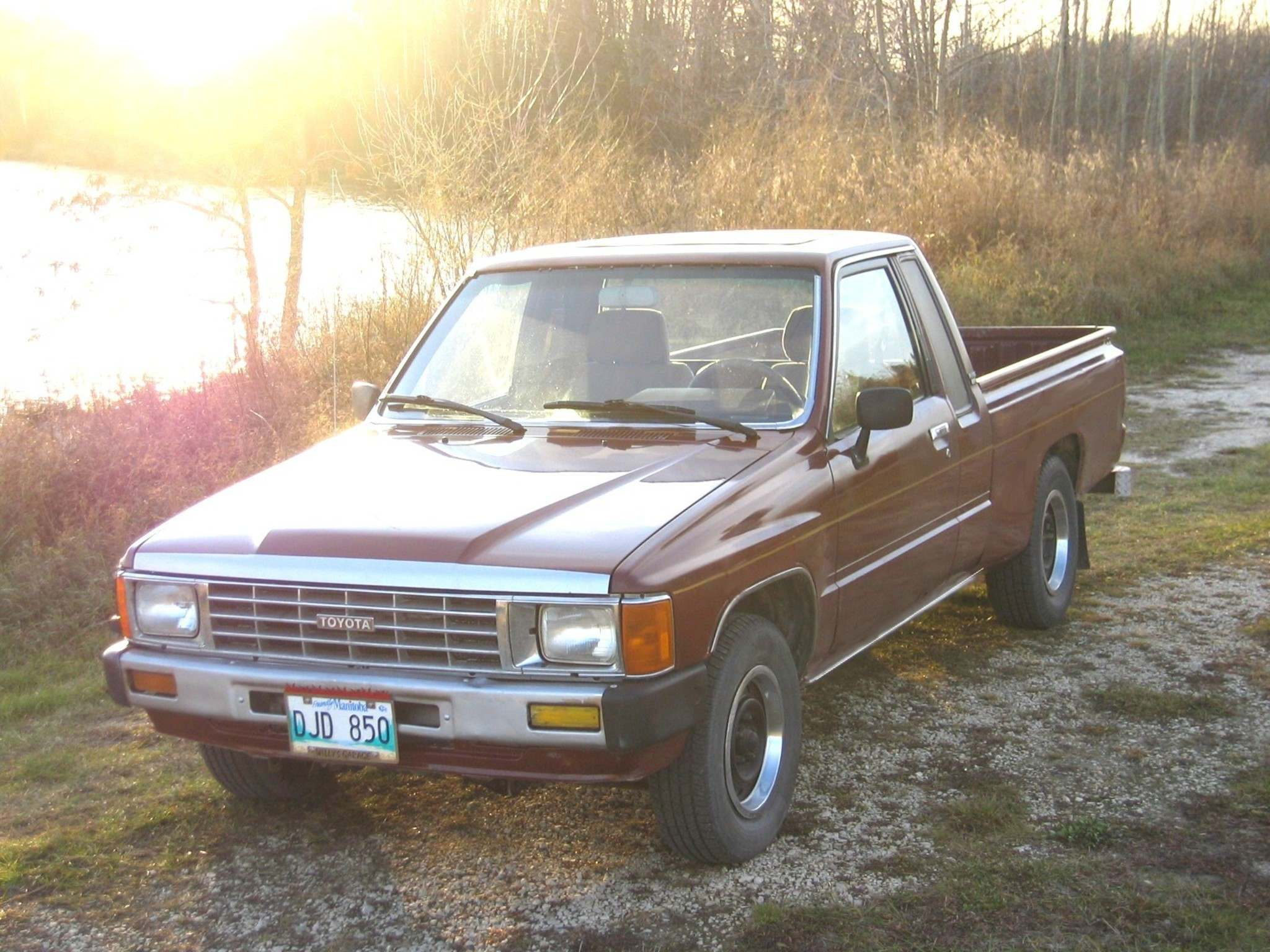 Photos by Willy Williamson / Winnipeg Free PressWilly's old 1986 Toyota pickup hadn't moved in more than a year when he bought it for $500 and spent a weekend making it safe for the road.