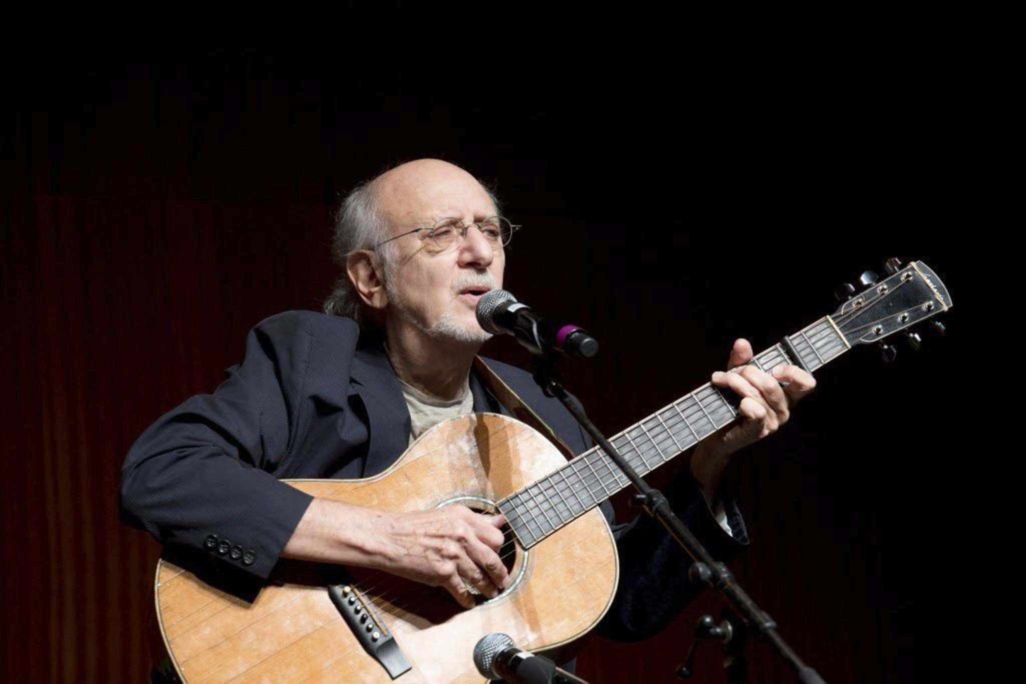 Singer-songwriter Peter Yarrow, from the 1960s folk music trio Peter, Paul and Mary. (Nick Ut / The Associated Press files)</p></p>