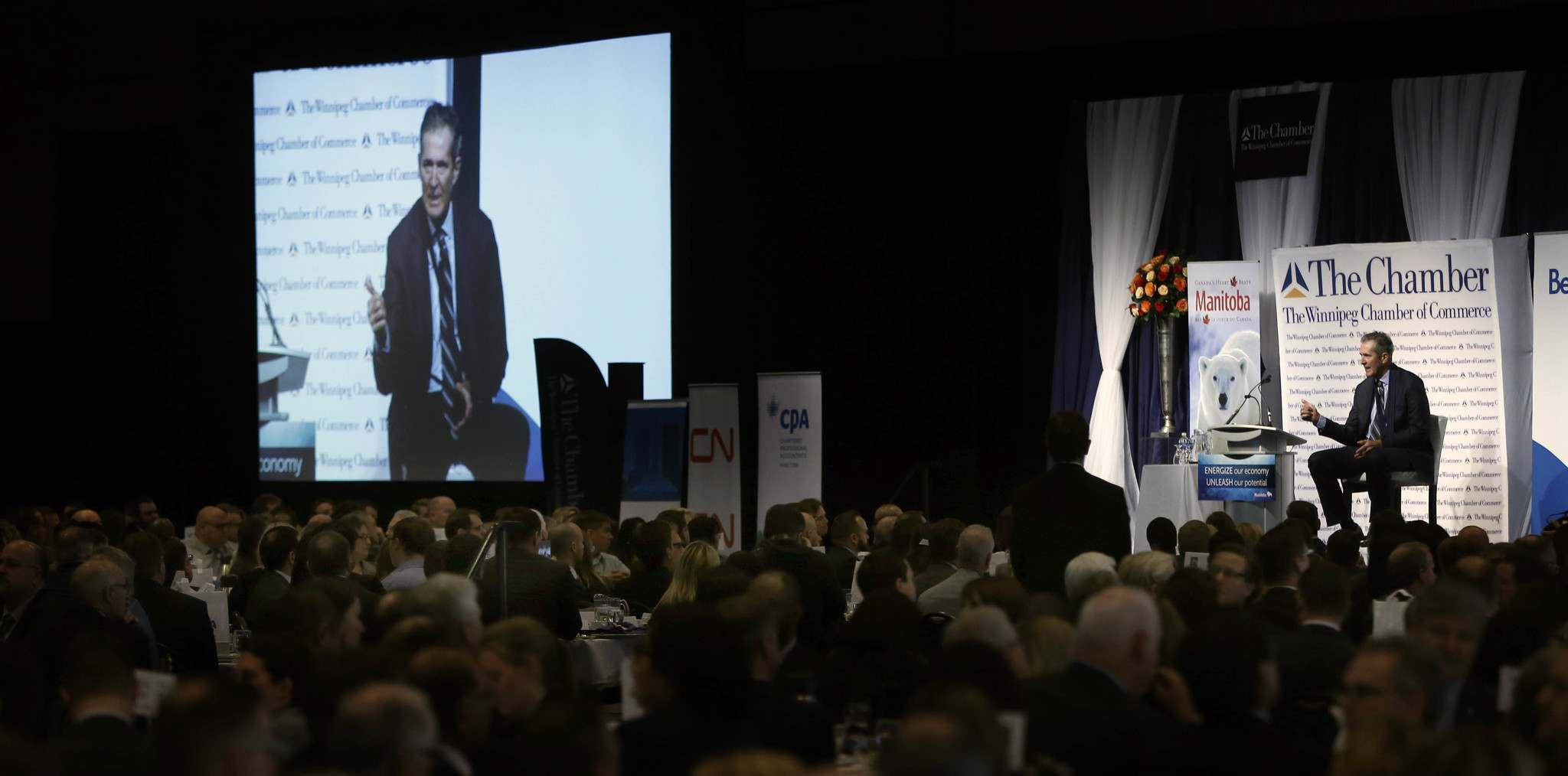 WAYNE GLOWACKI / WINNIPEG FREE PRESS</p><p>Premier Brian Pallister delivers his &#8216;State of the Province&rsquo; at the Winnipeg Chamber of Commerce luncheon in the RBC Convention Centre Thursday.</p>