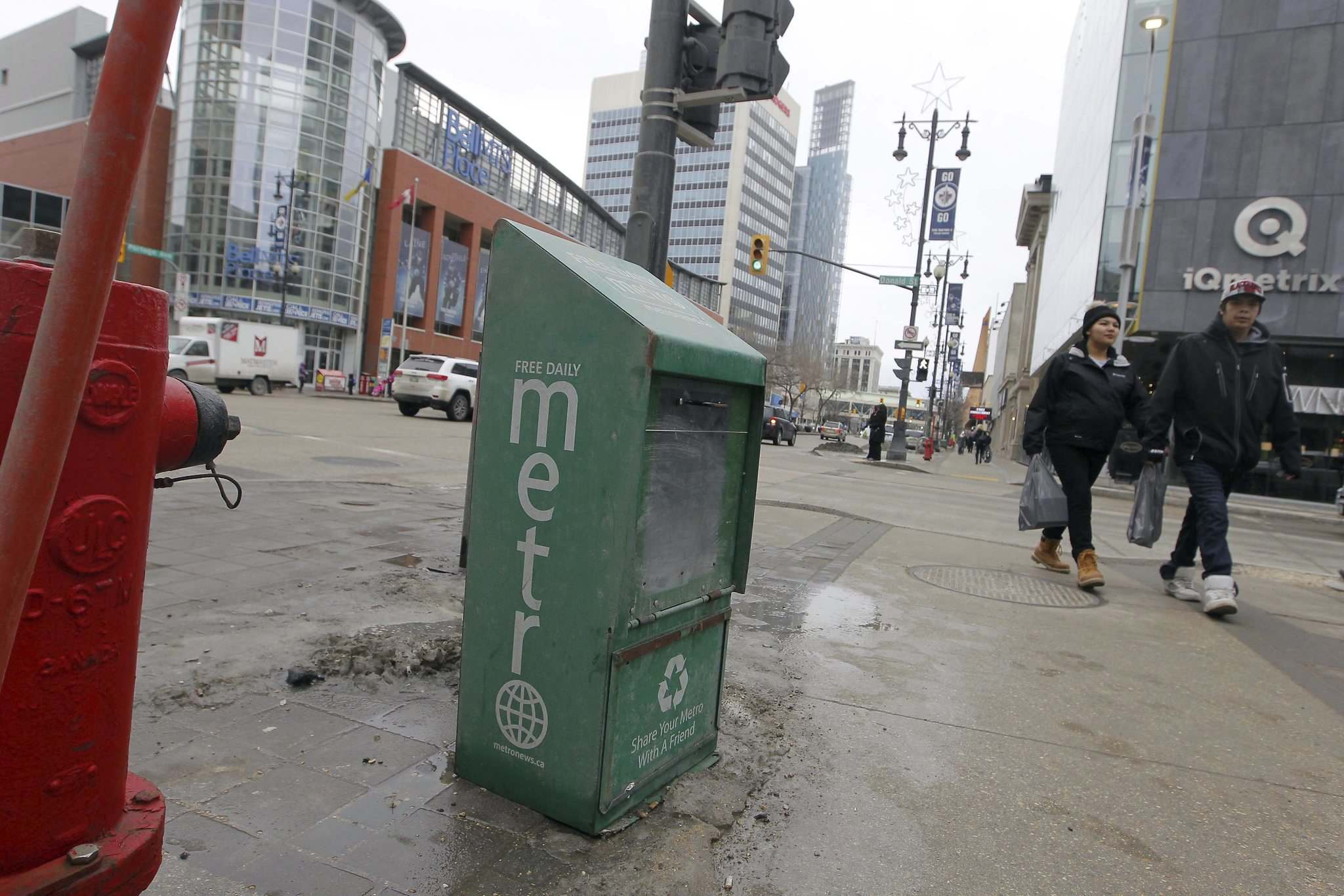 BORIS MINKEVICH / WINNIPEG FREE PRESS</p><p>Winnipeg&rsquo;s free daily Metro newspaper was among the casualties after the Torstar/Postmedia asset swap resulted in the closure of dozens of community and commuter papers.</p>