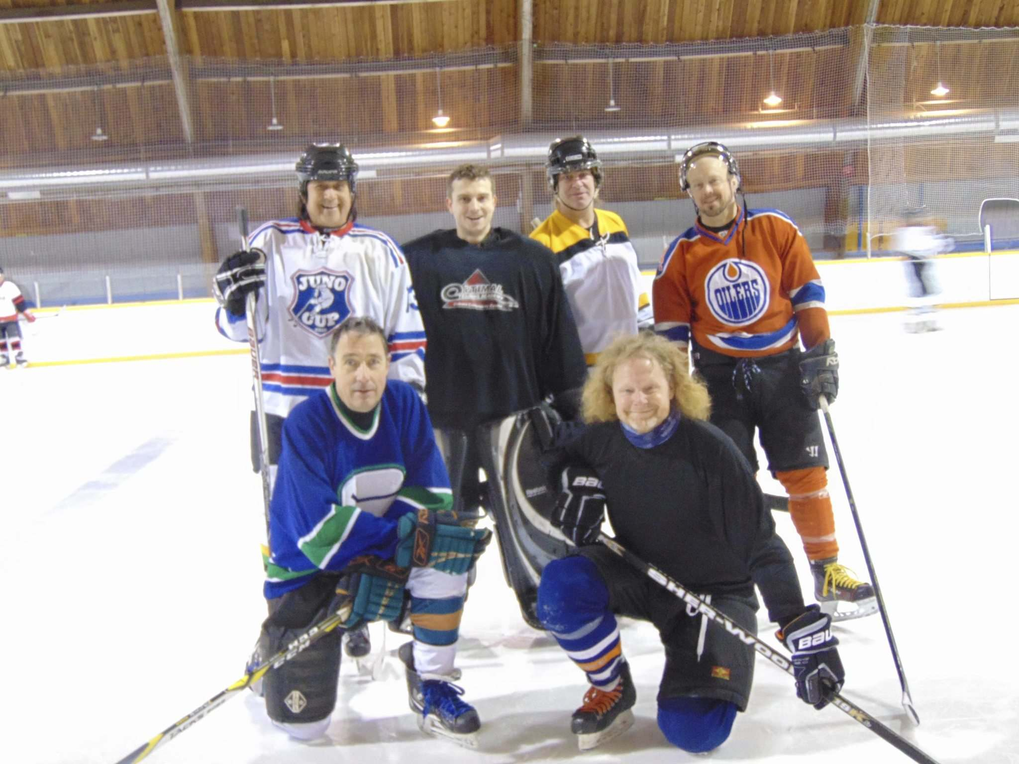 SUPPLIED</p><p>Musicians&#39; hockey team members. Back row, from left: Vince Fontaine, Kevon Cronin, Robb Oades, Kevin Radonsky. Front row, from left: Scotty Grainger, Rod Hussey.</p>