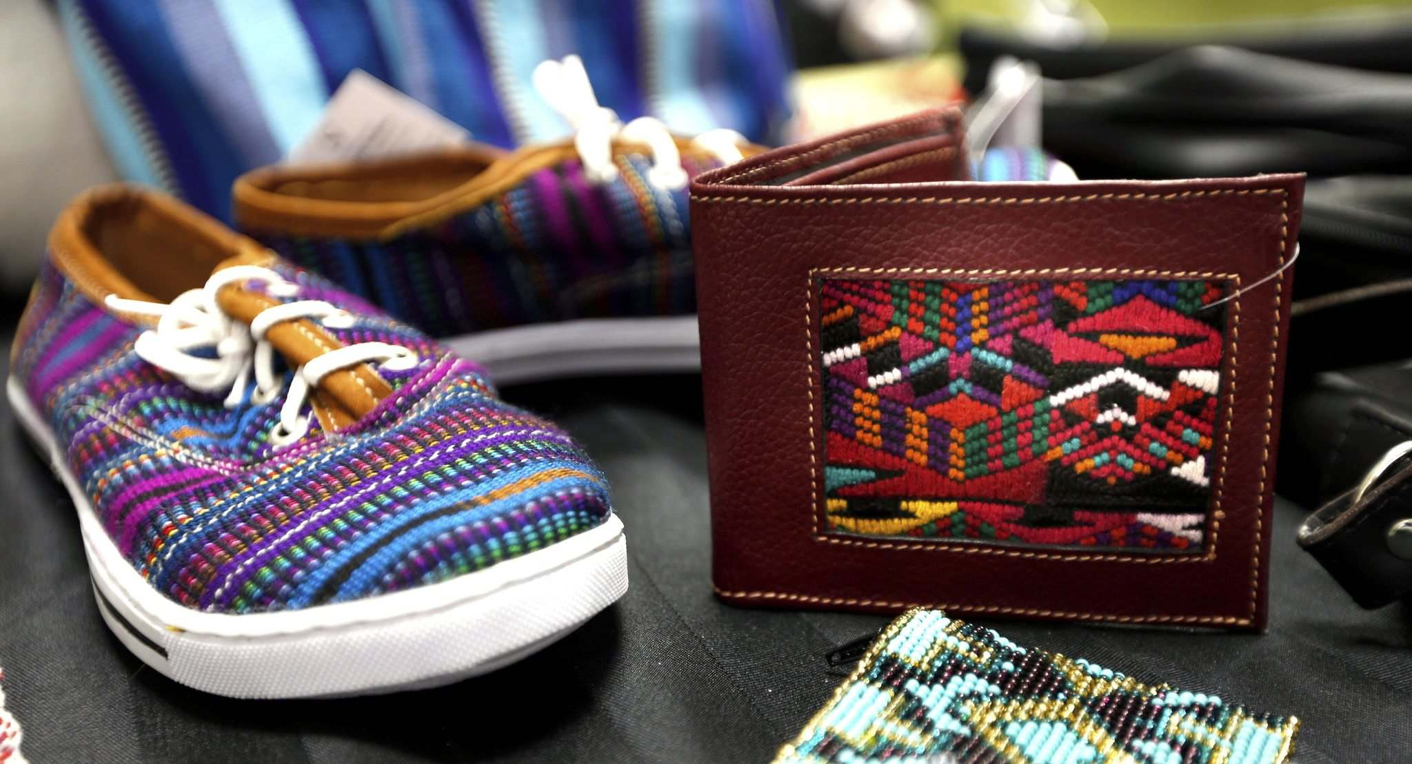 WAYNE GLOWACKI / WINNIPEG FREE PRESS</p><p>Si Fairtrade Fashion helps Guatemalan artisans get access to international markets.</p>