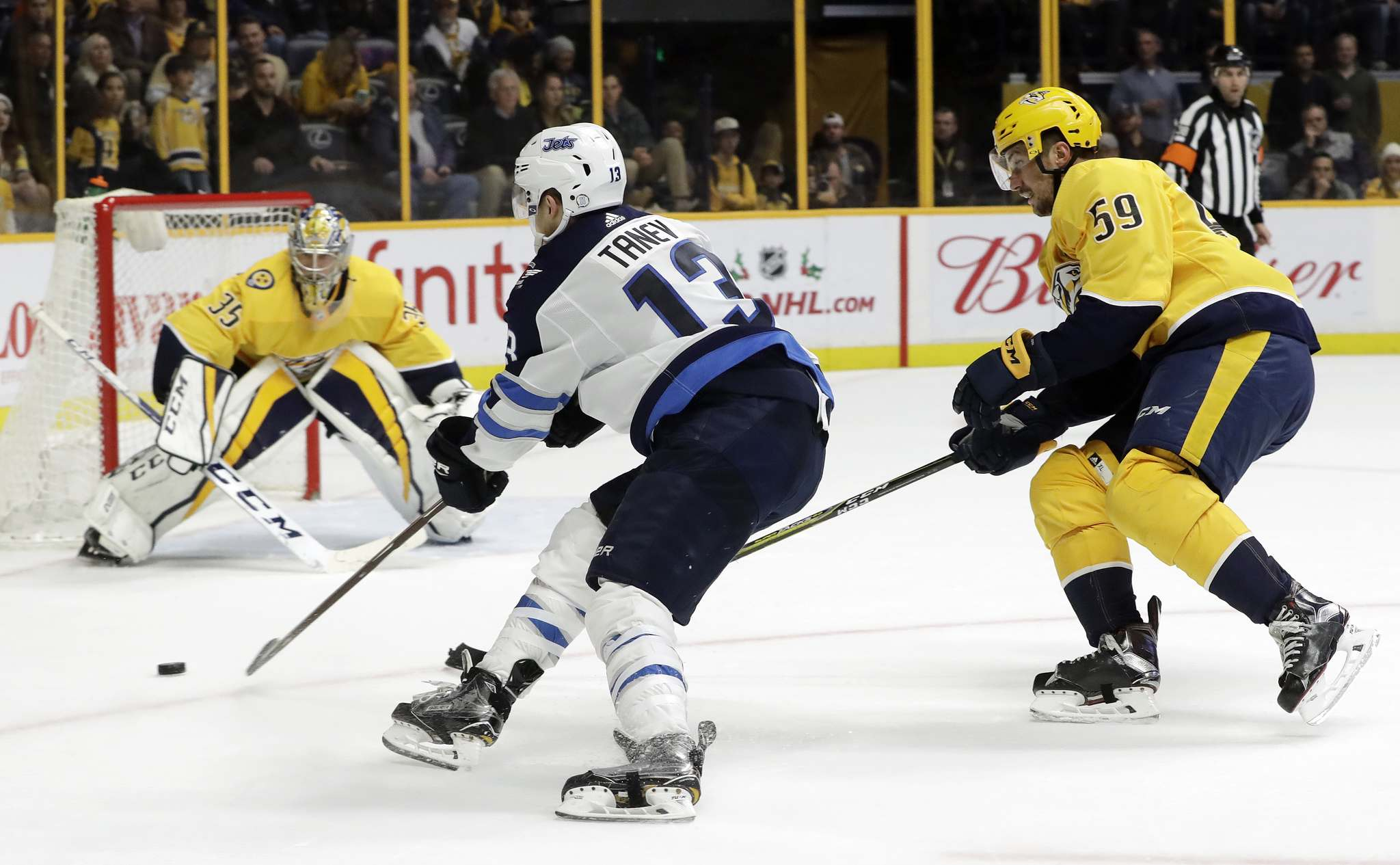 Predators fall to Jets 6-4
