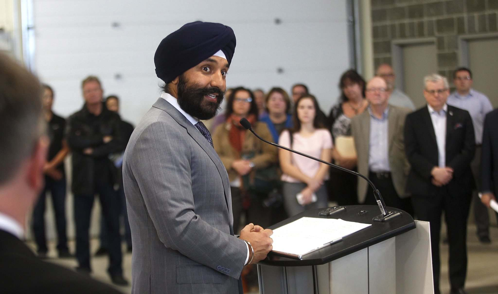 PHIL HOSSACK / Winnipeg Free Press</p><p>Industry Minister Navdeep Bains announces funding on Monday at the Composites Innovation Centre to help develop Western Canada&rsquo;s clean technology sector.</p></p>