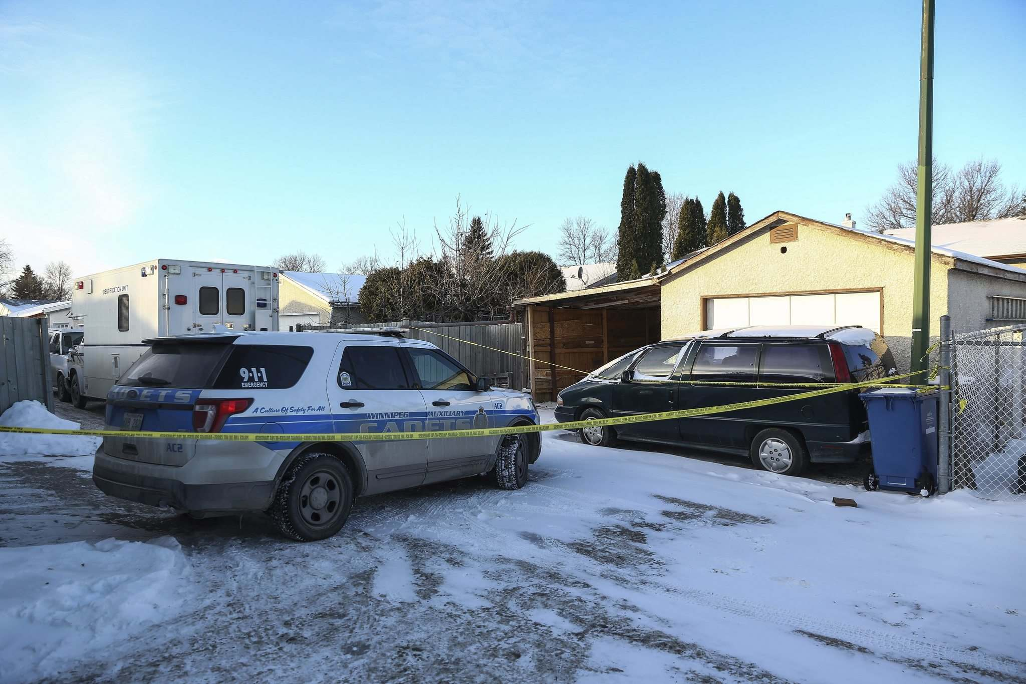 MIKE DEAL / WINNIPEG FREE PRESS</p><p>Winnipeg police have been at a residence in the 100 block of Manila Road since Tuesday.</p>
