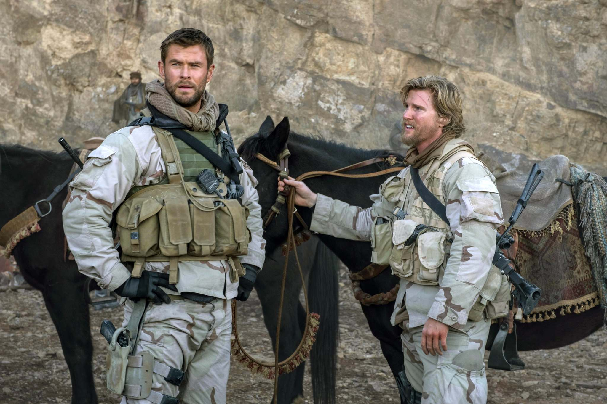 '12 Strong' review: Chris Hemsworth fights the Taliban