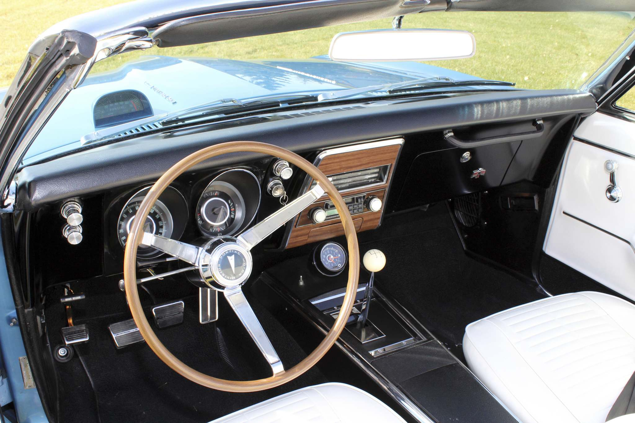 LARRY D'ARGIS / WINNIPEG FREE PRESSA three-speed manual was standard while a four on the floor was a $184 option.