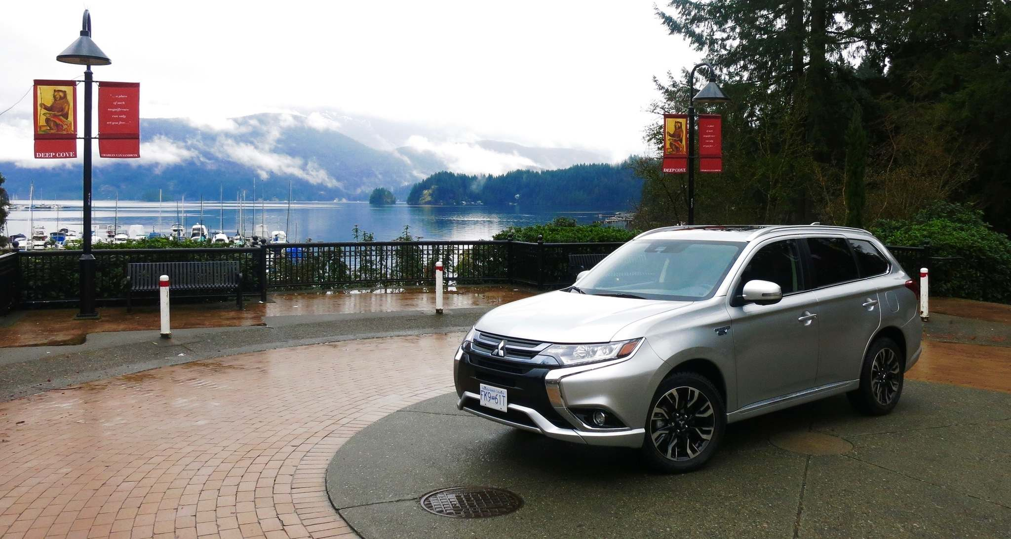 KELLY TAYLOR / WINNIPEG FREE PRESSThe 2018 Mitsubishi Outlander PHEV offers excellent fuel economy but at a $14,000 premium over gasoline models.