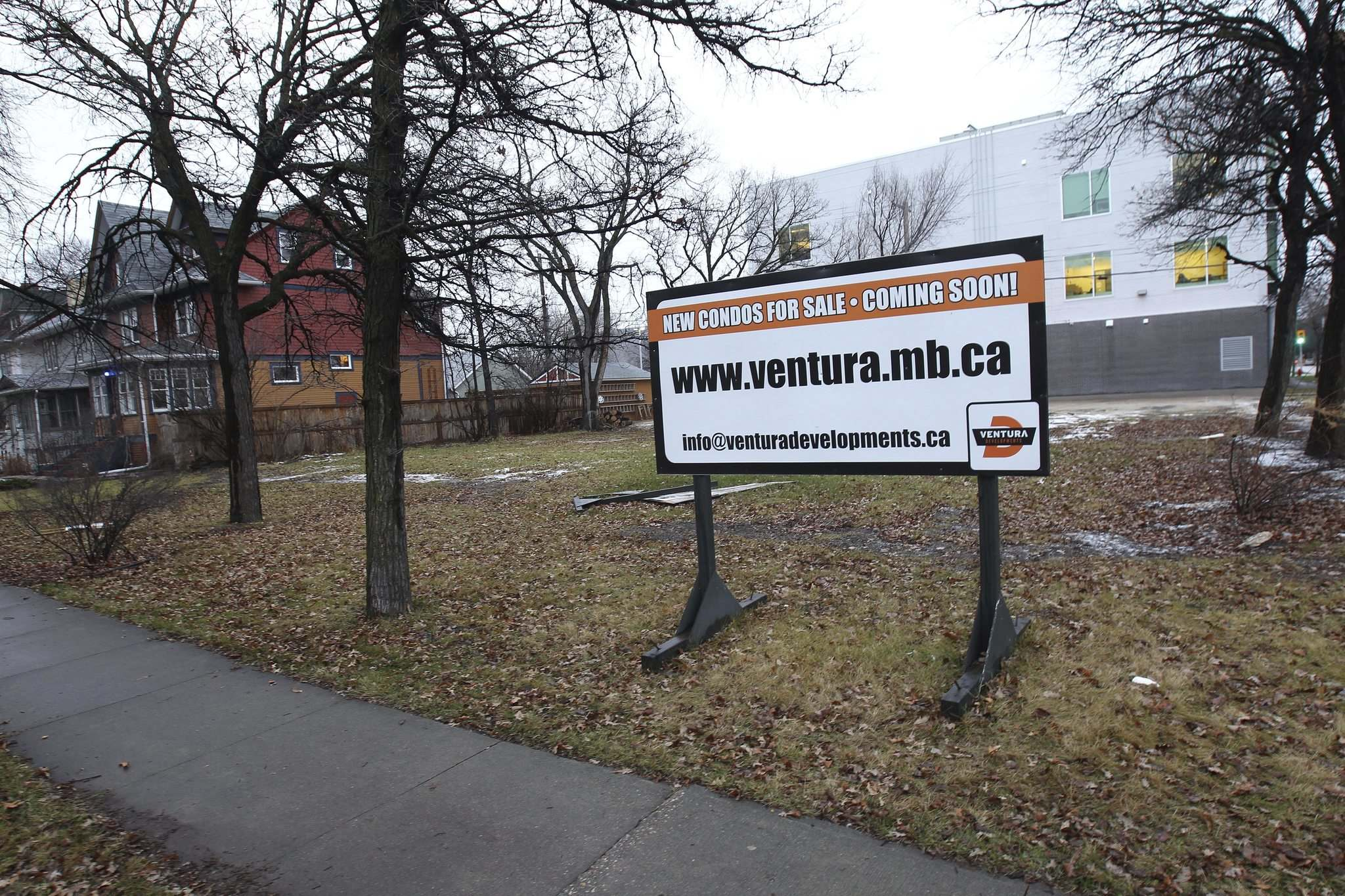 JOE BRYKSA / WINNIPEG FREE PRESS FILES</p><p>The roller-coaster ride to get Ventura's condo project at McMillan Avenue and Harrow Street approved is an example of the ongoing infill battles between developers and city administration.</p>