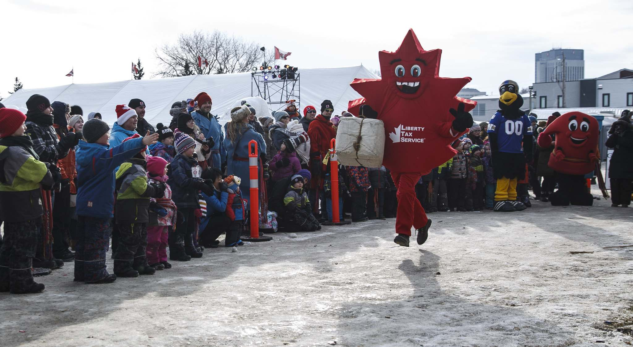 MIKE DEAL / WINNIPEG FREE PRESS</p><p>Local mascots took part in a race for the kids during the Festival du Voyageur in Fort Gibraltar. Many people complained about long lines at the festival Saturday night.</p></p>