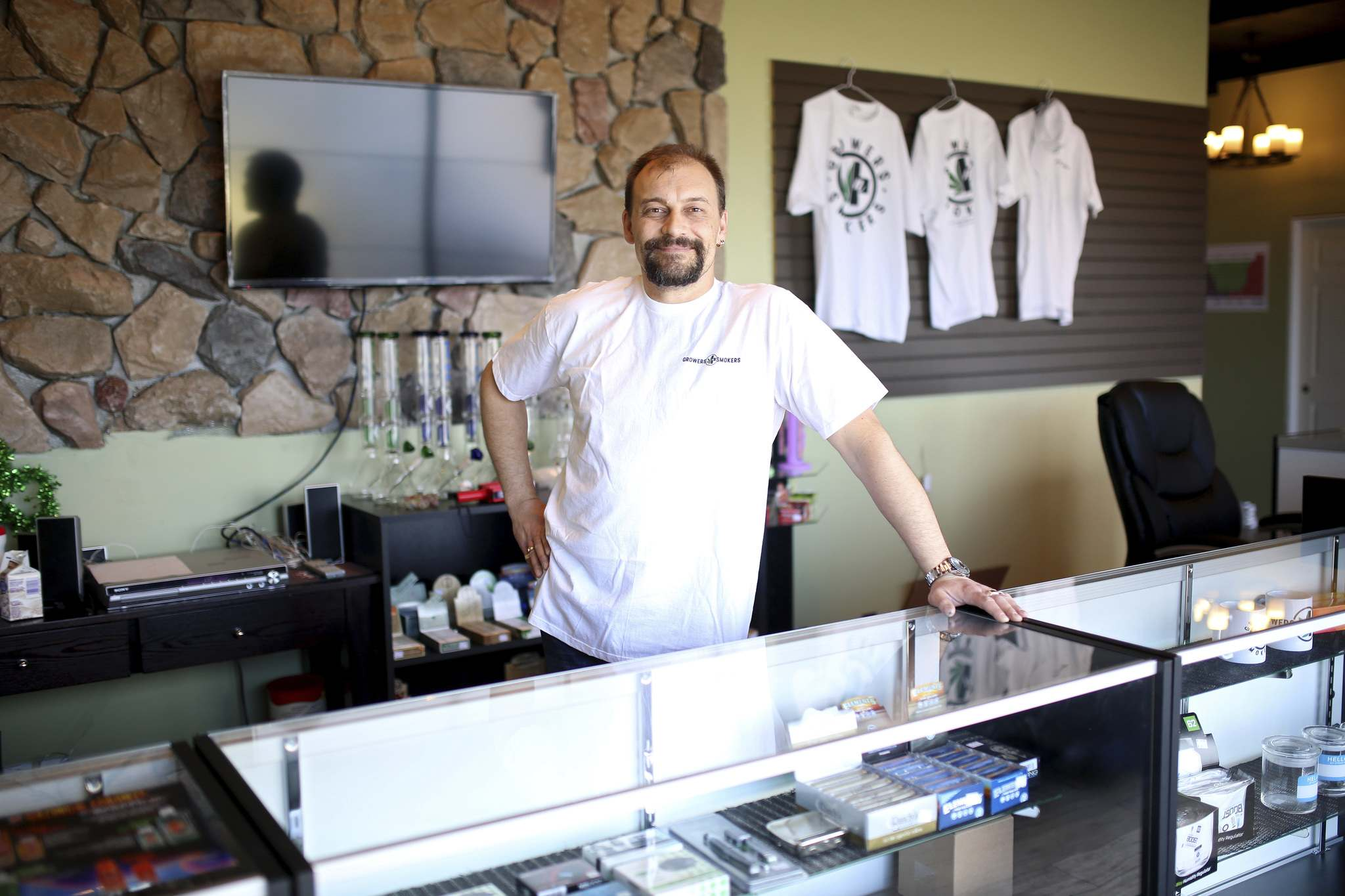 Even though the provincial government plans to open the retail cannabis market to new players in the future, Rick Macl, owner of Growers and Smokers in Brandon, is pessimistic about his chances of competing. (Tim Smith / Brandon Sun files</p>