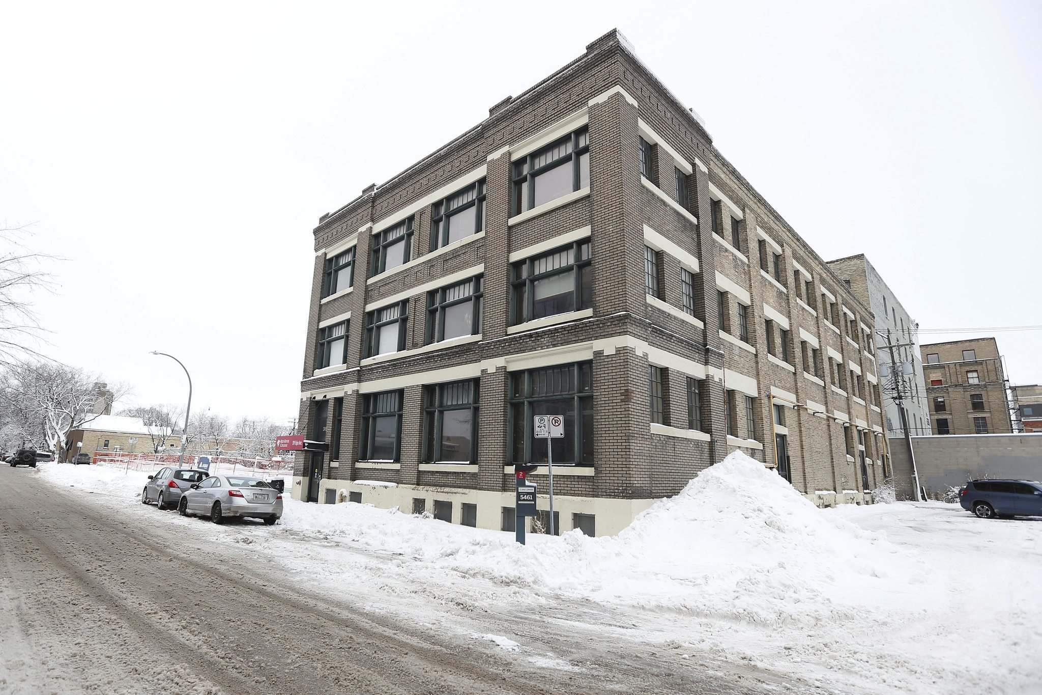 <p>Photo of 319 Elgin and adjacent property which is the future home of the Red River Innovation Centre, a project which may be delayed by the province and could affect federal funding.</p>