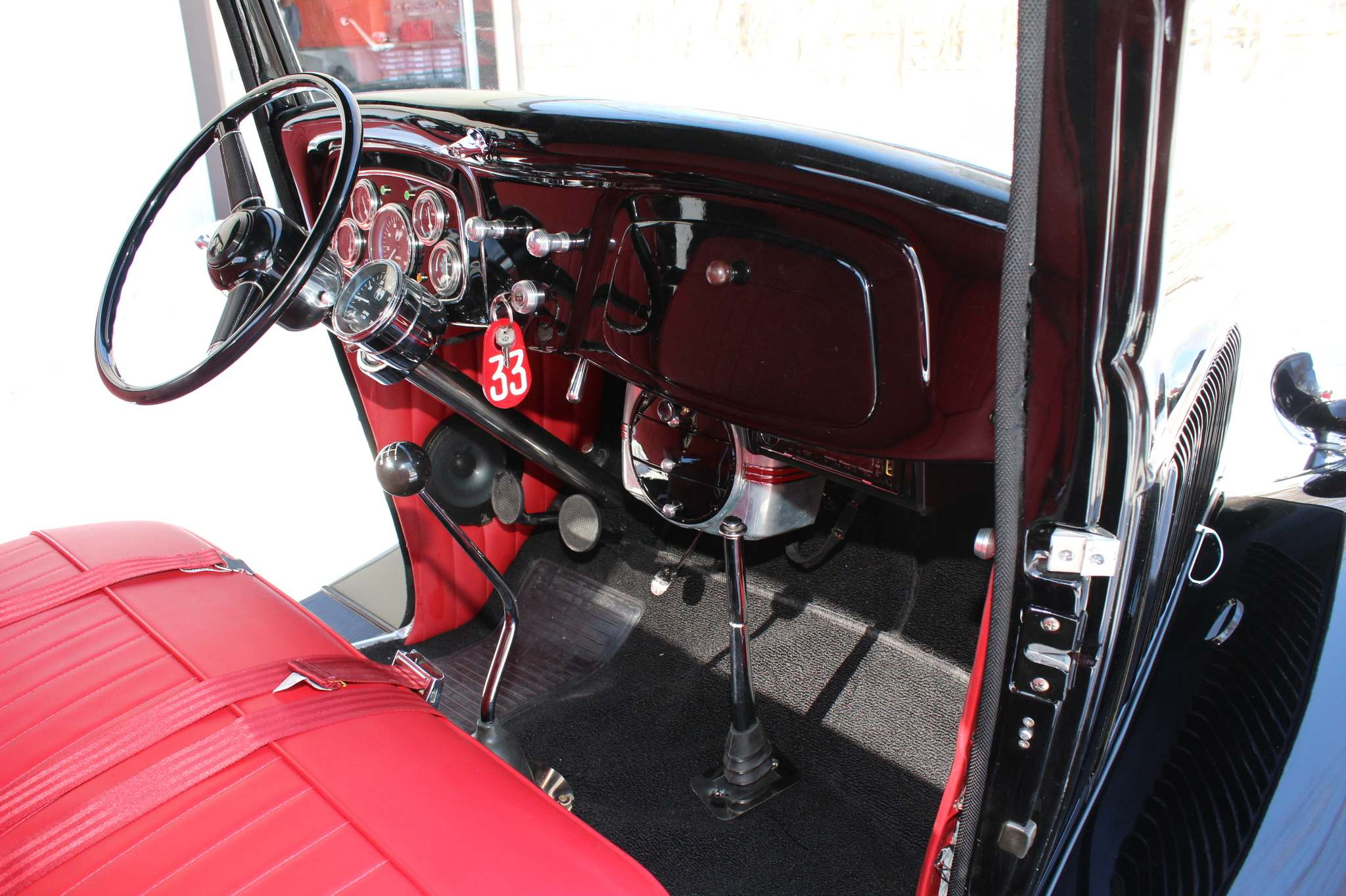 Larry D'Argis / Winnipeg Free PressThis ford model features a 1940 Ford steering wheel.