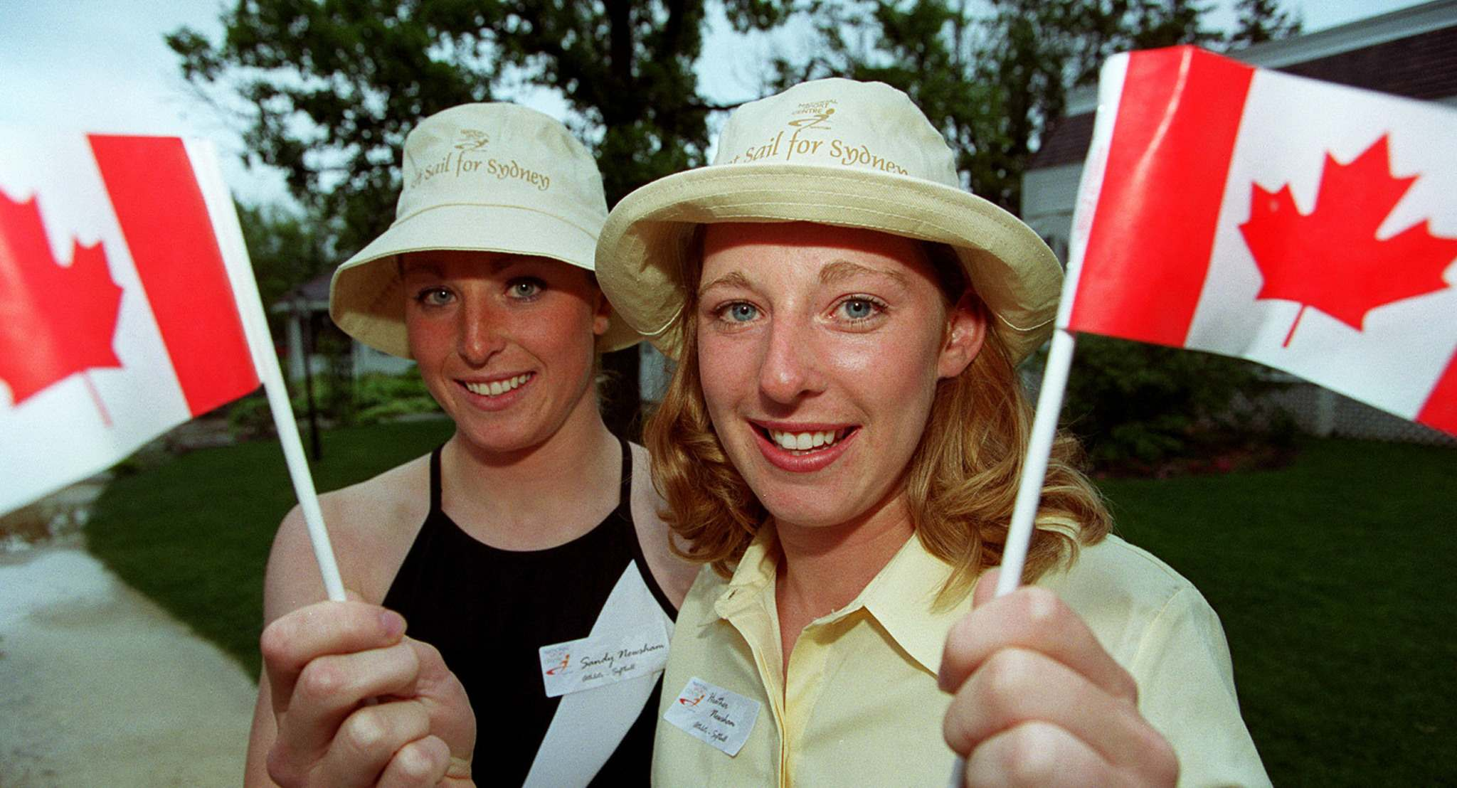 Sandy (Newsham) Maskiw, left, and her younger sister Heather (Newsham) Ruby in June 2000. (Jeff De Booy / Free Press files)</p>