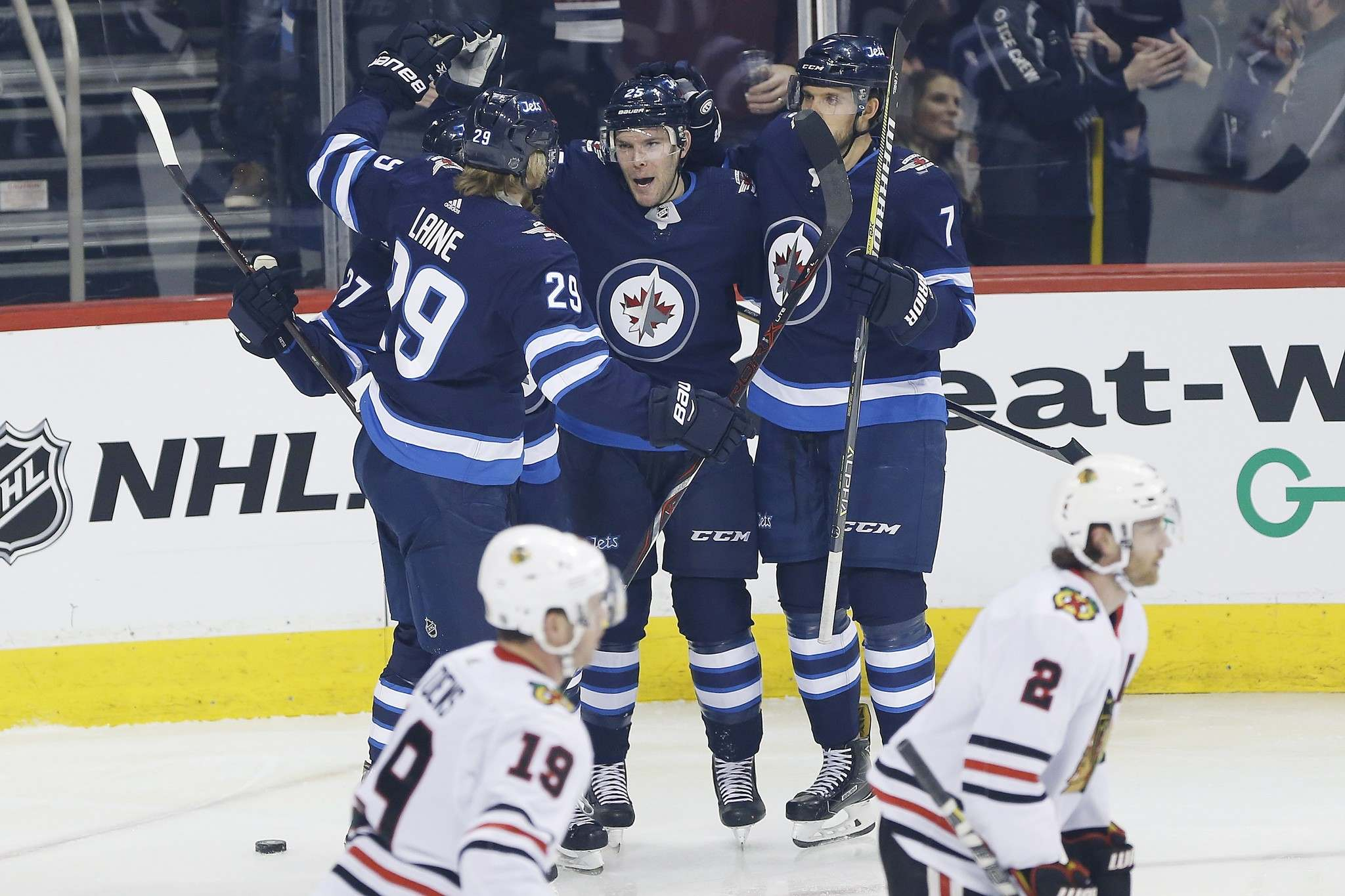 THE CANADIAN PRESS/John Woods</p><p>Winnipeg Jets forwards Nikolaj Ehlers, Patrik Laine, Paul Stastny and defenceman Ben Chiarot celebrate Stastny&#39;s goal against the Chicago Blackhawks during first period in Winnipeg on Thursday.</p>
