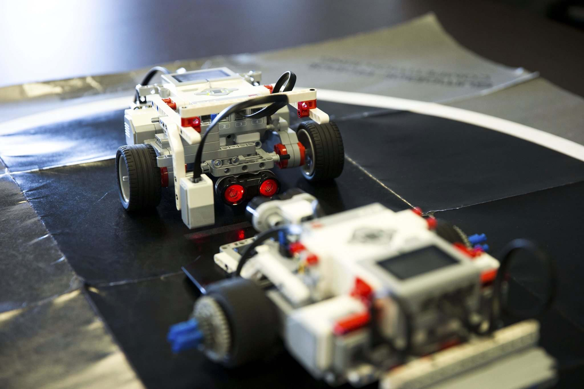MIKAELA MACKENZIE / WINNIPEG FREE PRESS</p><p>First Peoples Development Inc. has teamed up with Winnipeg robotics company Cogmation to deliver two-week-long robotics workshops at Manitoba First Nations. The workshops culminate in a Lego robot sumo wrestling competition.</p></p>