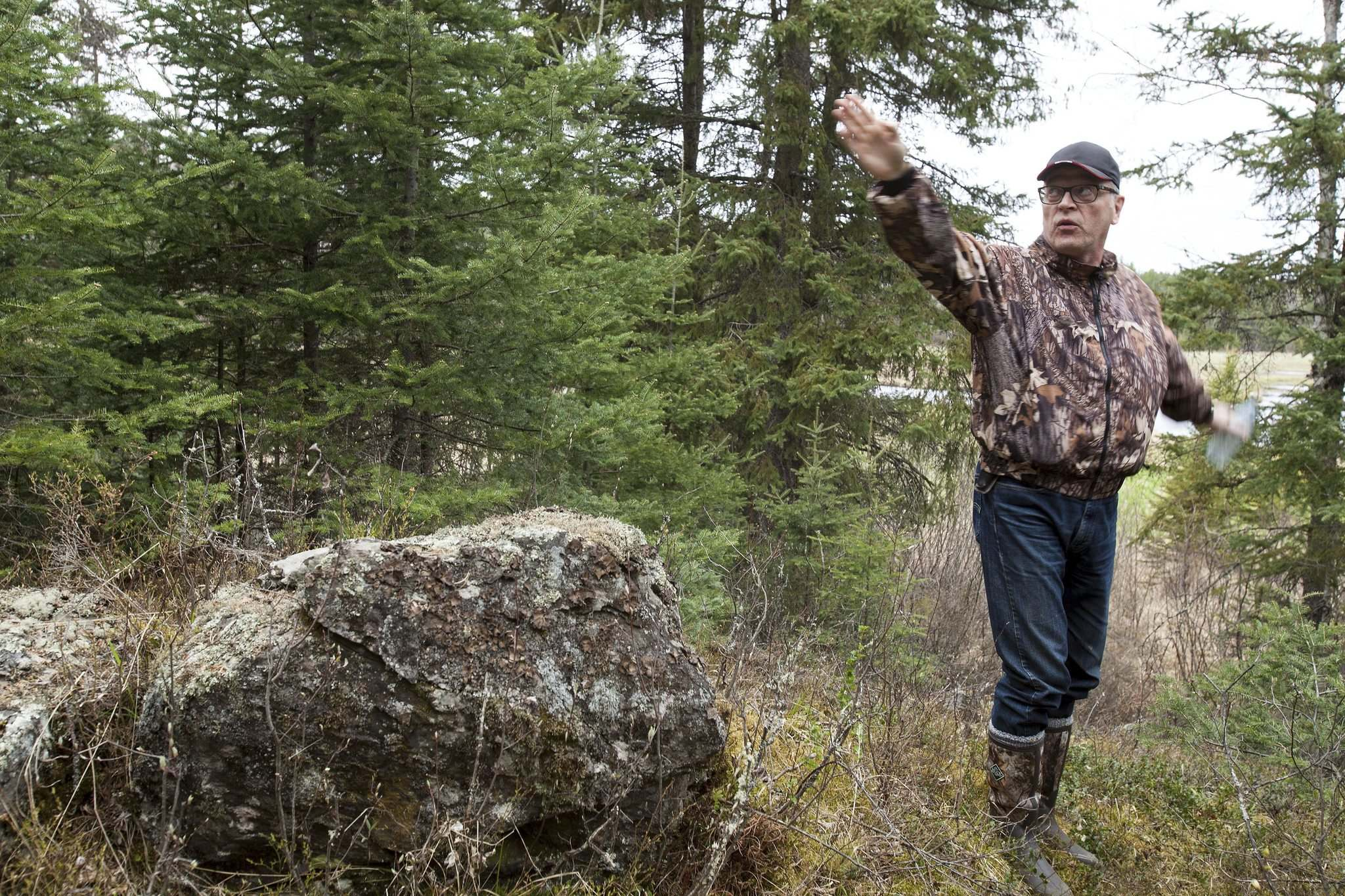 Jessica Finn / Winnipeg Free Press files</p><p>Stan Michalak describes the scene where he believes his father, Stefan, was eating lunch when he encountered a UFO in 1967. </p>