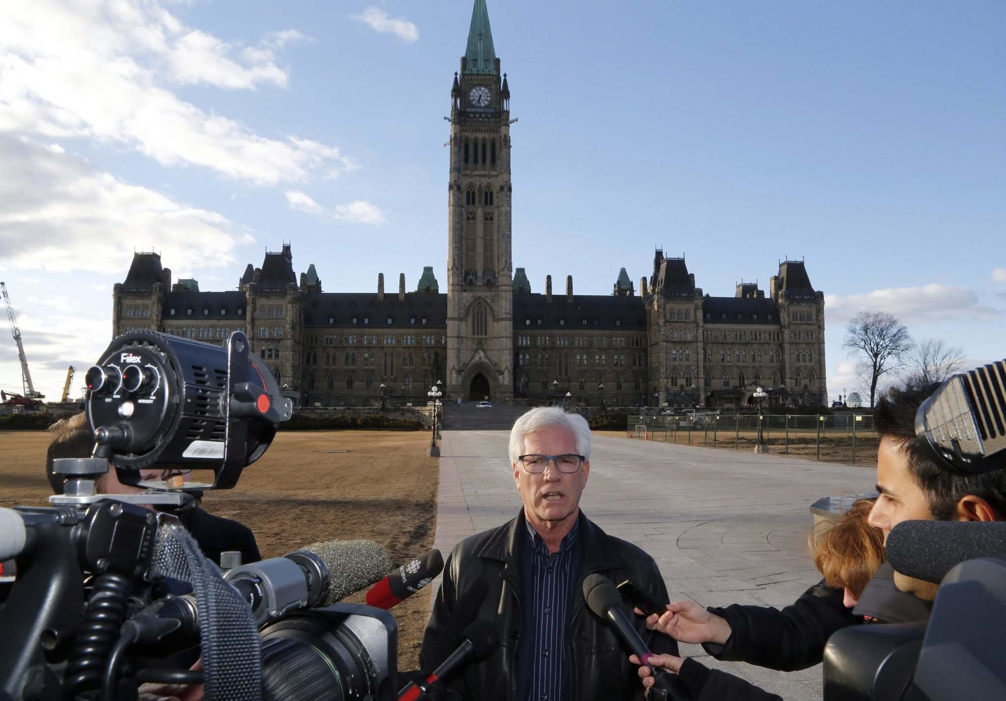 Patrick Doyle / The Canadian Press</p><p>Minister of Natural Resources Jim Carr speaks about the status of the Kinder Morgan pipeline expansion in Ottawa on April 8, 2018.</p>