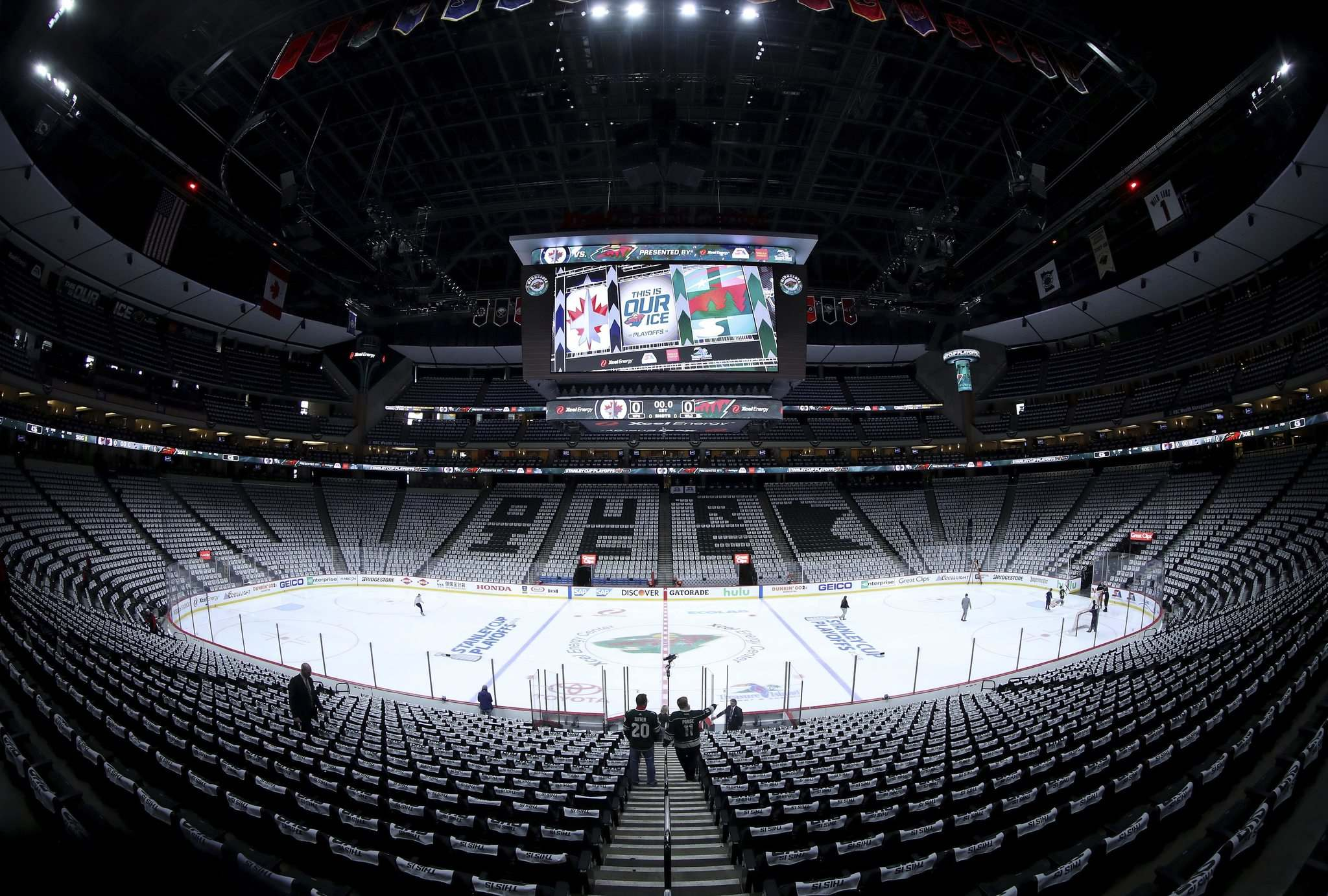 TREVOR HAGAN / WINNIPEG FREE PRESS</p><p>The Xcel Energy Center prior to playoff game 3 between the Winnipeg Jets and Minnesota Wild, Sunday. When travel schedules are rearranged, the visiting team&#39;s time to relax and loosen up can get squeezed.</p>
