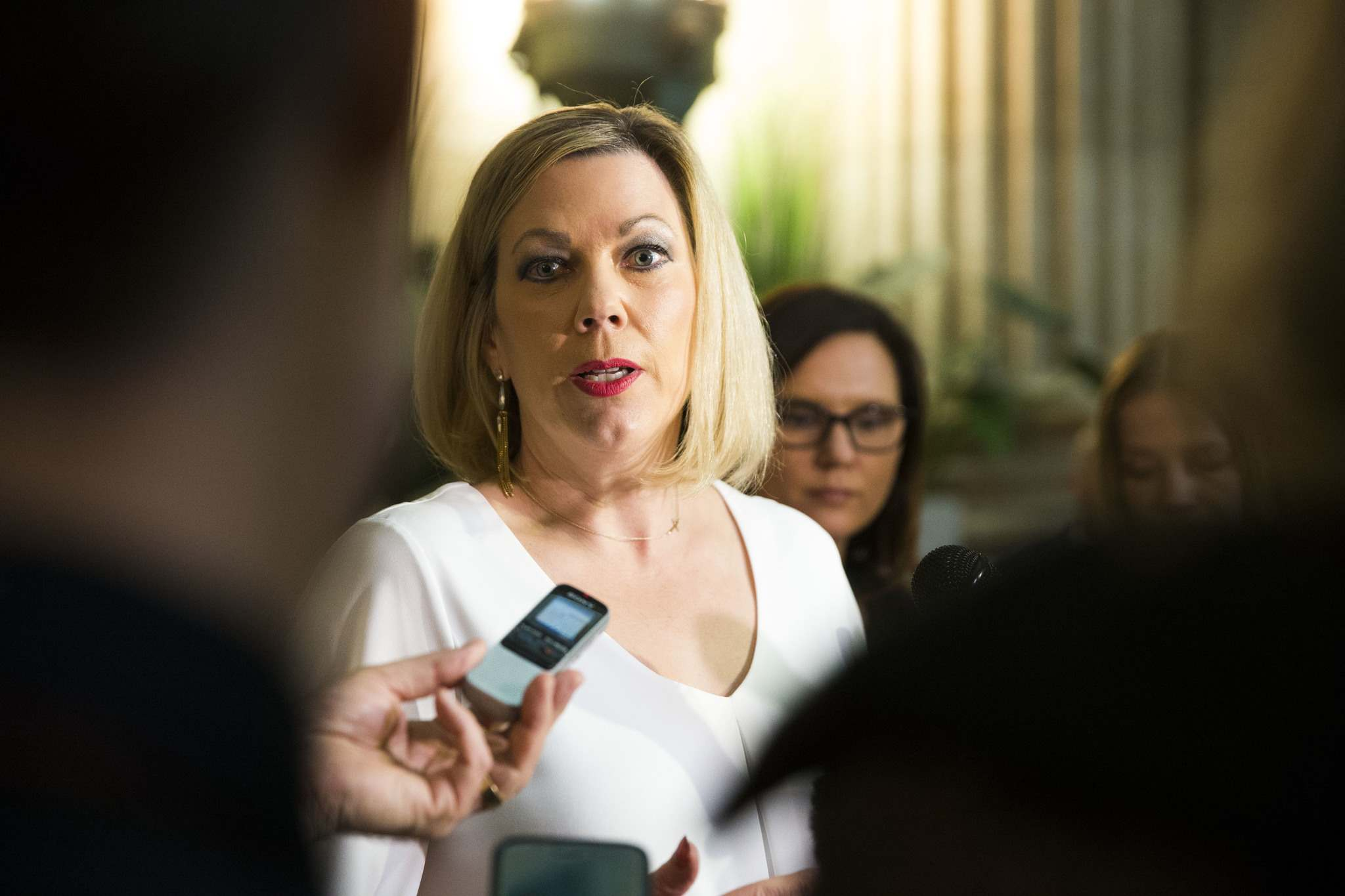 MIKAELA MACKENZIE / WINNIPEG FREE PRESS</p><p>Manitoba Status of Women Minister Rochelle Squires praised the province's move to start tracking third-party reports of sexual assault incidents.</p>
