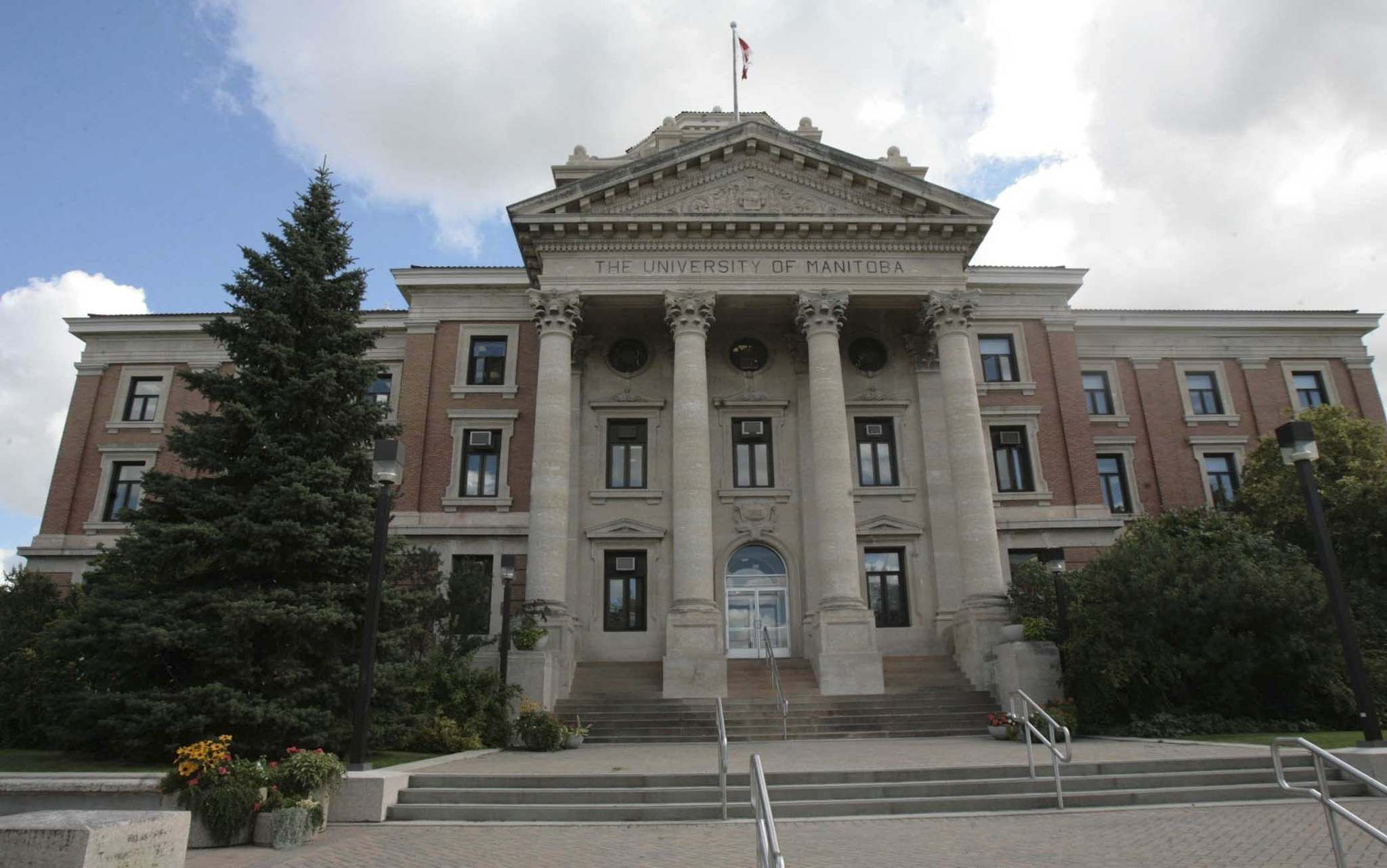 JOE BRYKSA / WINNIPEG FREE PRESS FILES</p><p>Administration Building at the University of Manitoba.</p>
