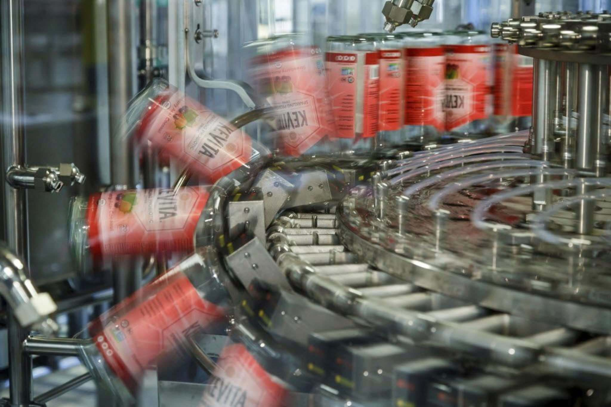A 57,000-square-foot bottling plant in Oxnard, Calif., can produce 160,000 bottles of its popular fermented kombucha tea and other beverages in a day. (Ricardo DeAratanha / Los Angeles Times)