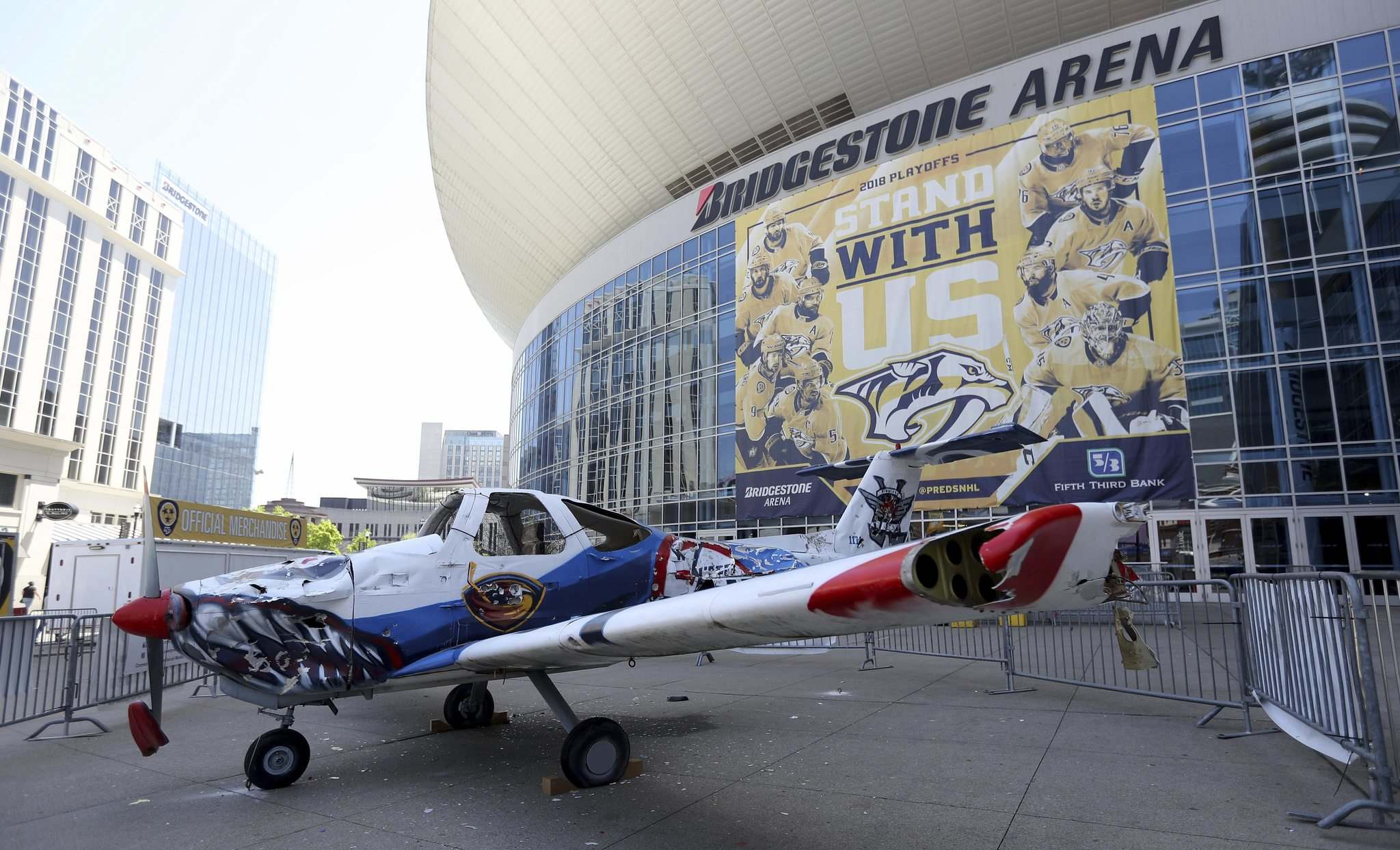 TREVOR HAGAN  WINNIPEG FREE PRESSThe Winnipeg Jets&#39 plane outside Bridgestone Arena in Nashville TN Saturday
