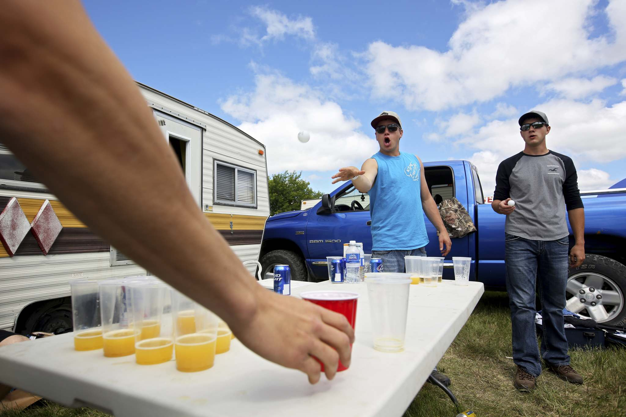 Tim Smith / The Brandon Sun Files</p><p>Campers can enjoy a game of beer pong in Manitoba provincial parks this weekend, but park police will be on the lookout for rowdyism. </p></p>