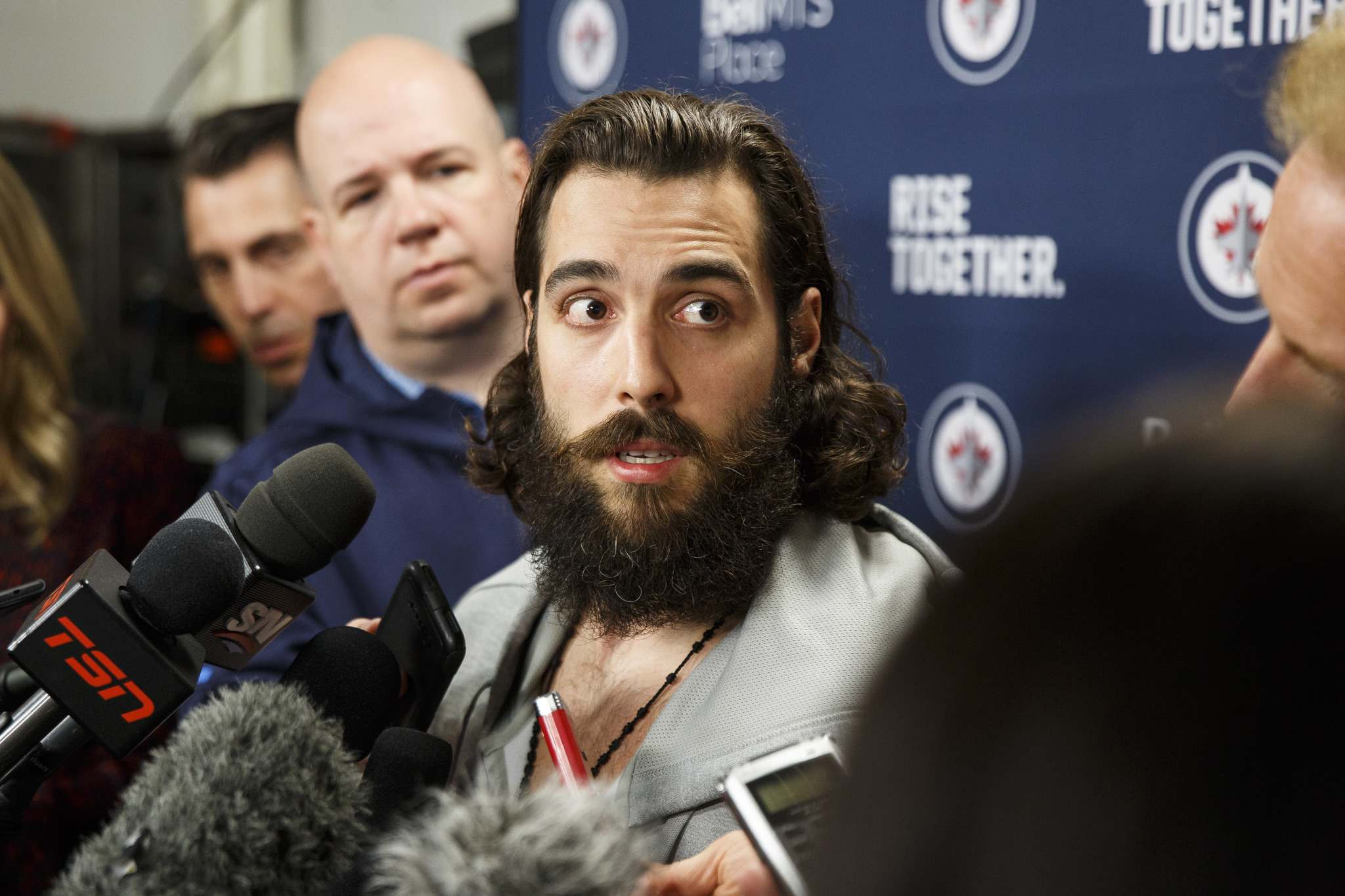 MIKE DEAL / WINNIPEG FREE PRESS FILES</p><p>Winnipeg Jet Mathieu Perreault (85) says the team is preparing to bounce back tonight after losing to Vegas Monday.</p>