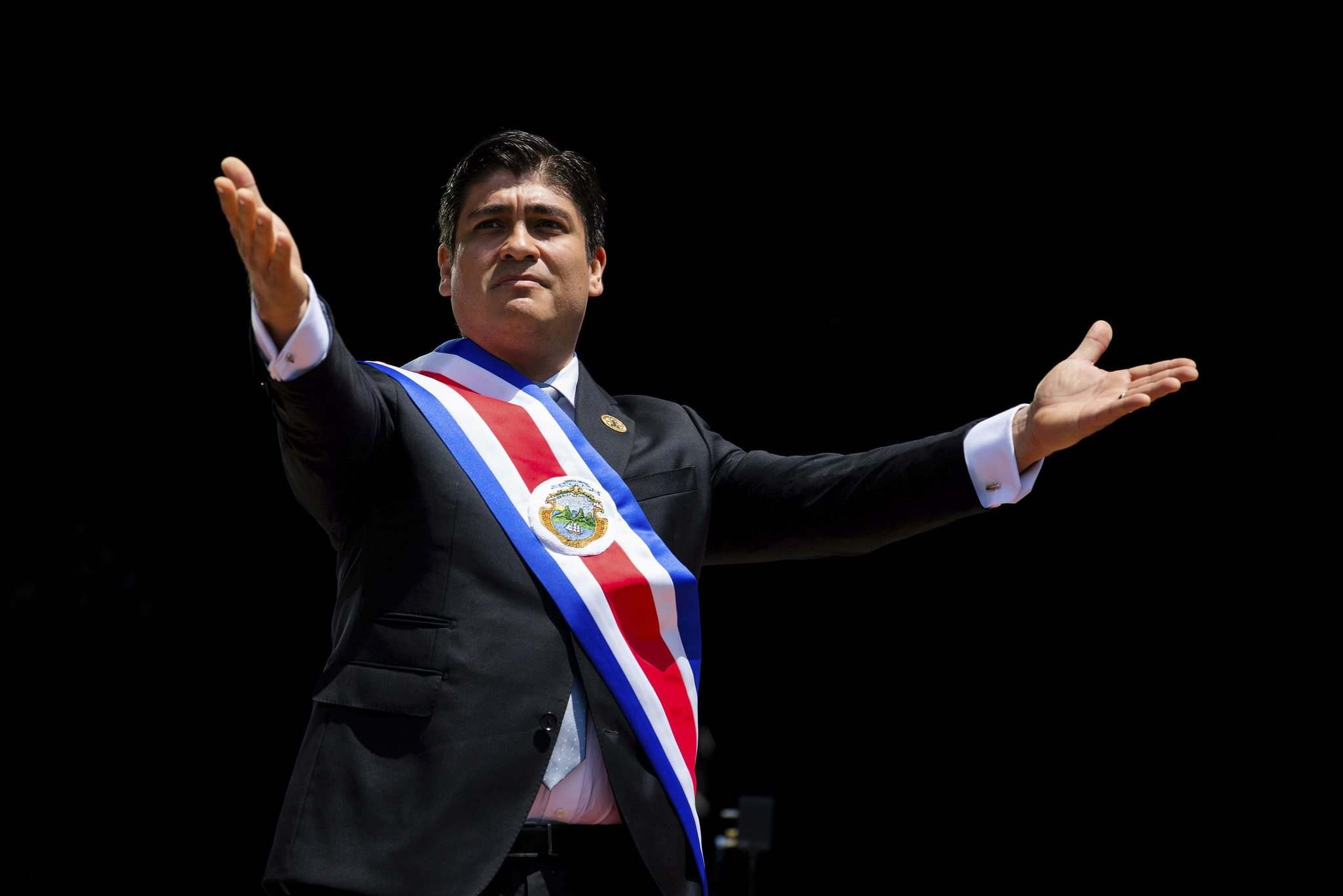 Costa Rica Foreign Ministry</p><p>Newly elected Costa Rican President Carlos Alvarado Quesada arrived at his inauguration in a hydrogen-powered bus.</p>