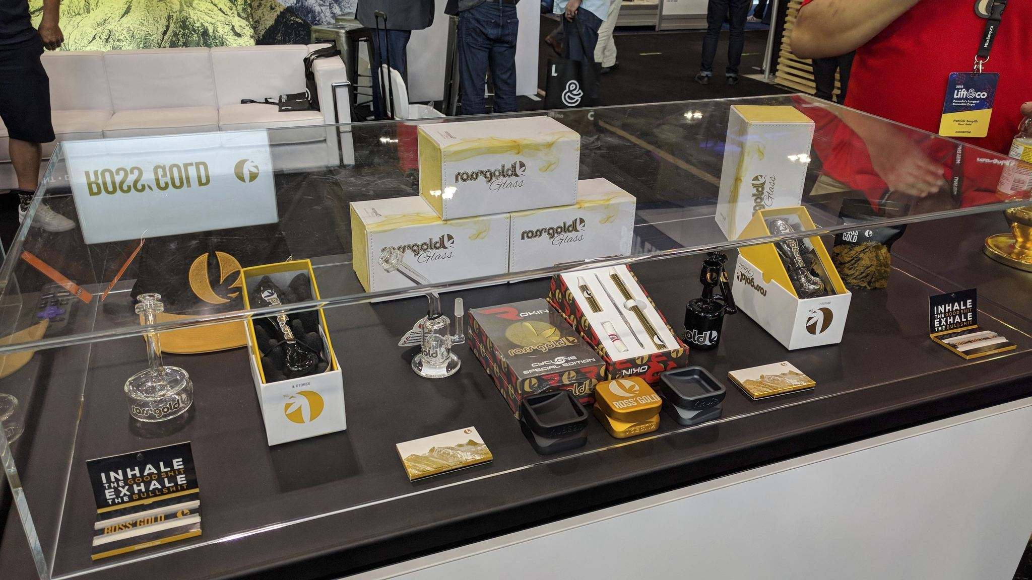 Rebagliati&#39;s &#39;Ross&#39; Gold&#39; brand sells high-end cannabis accessories such as bongs, grinders, dab rigs and rolling papers. (Solomon Israel/The Leaf News)</p>