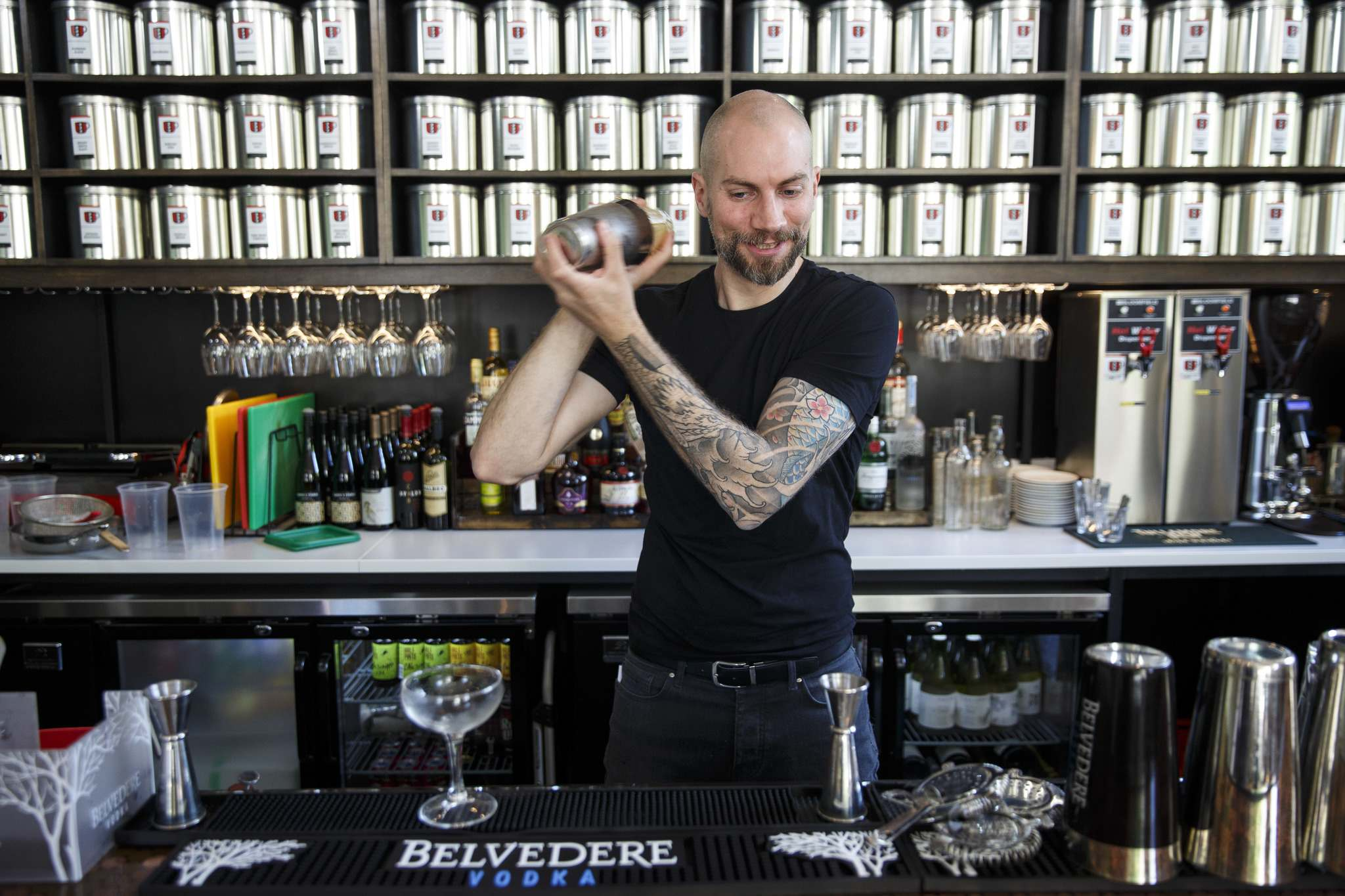 MIKE DEAL / WINNIPEG FREE PRESS</p><p>Mark Turner, co-owner of Amsterdam Tea Room and Bar on Bannatyne Avenue, prepares a Cold Toddy.</p>
