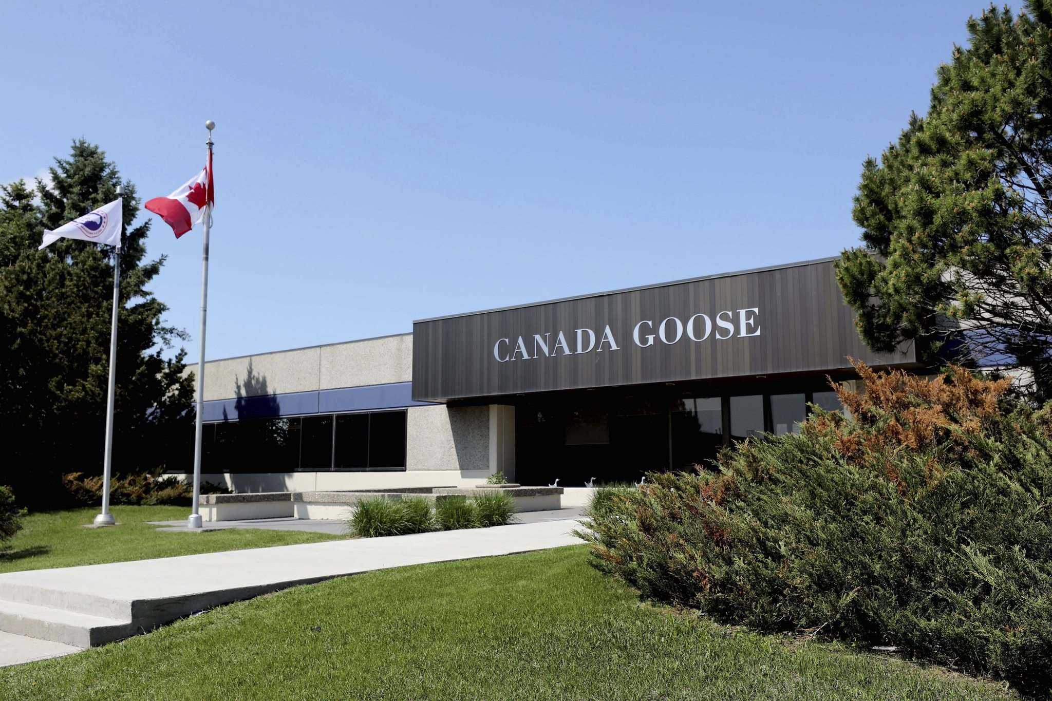 RUTH BONNEVILLE / WINNIPEG FREE PRESS</p><p>Canada Goose factory at 1455 Mountain Ave.</p>