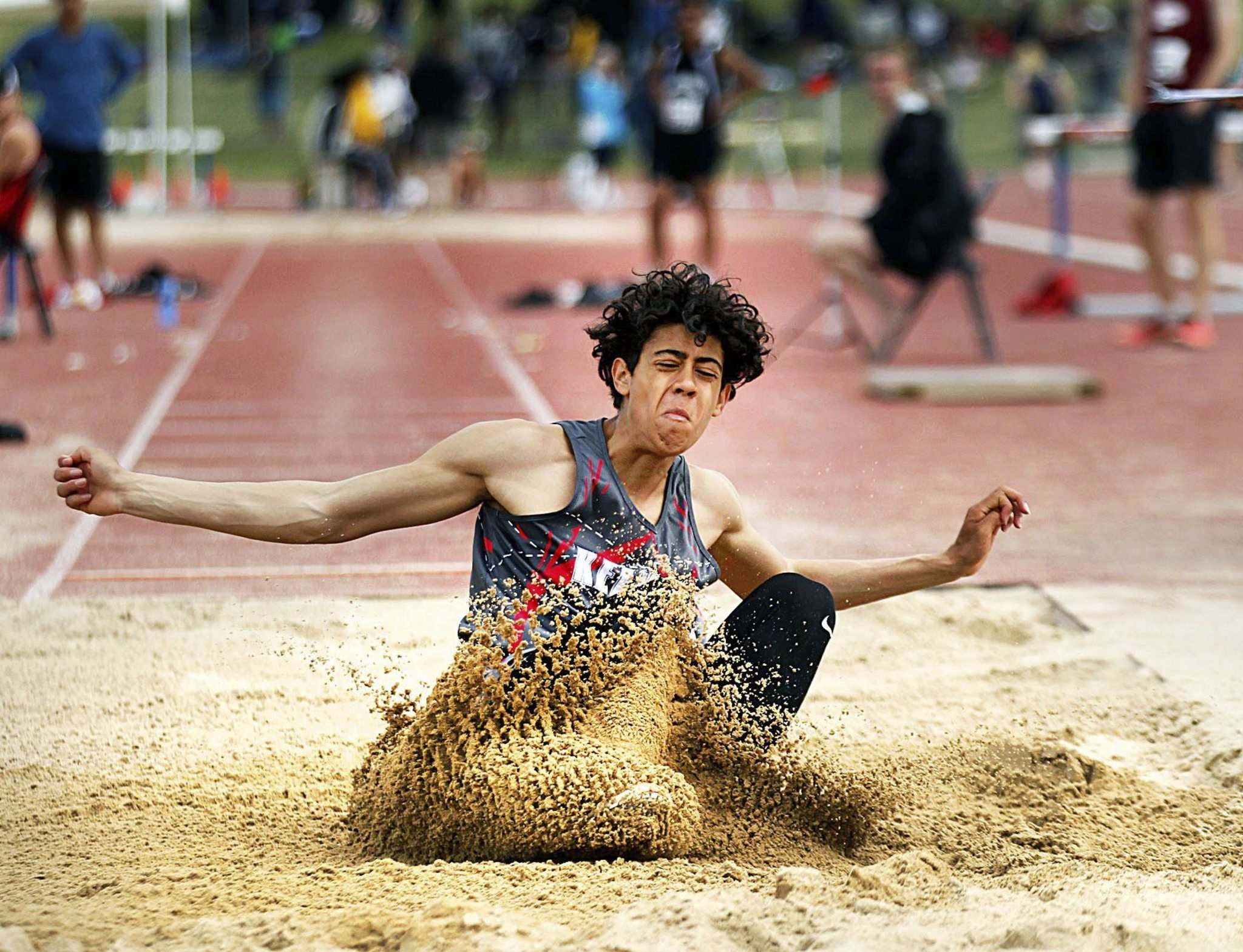 PHIL HOSSACK / WINNIPEG FREE PRESS</p><p>Kelvin Collegiate's decathlete Robin Brooks lands a long jump in competition Saturday afternoon.</p>