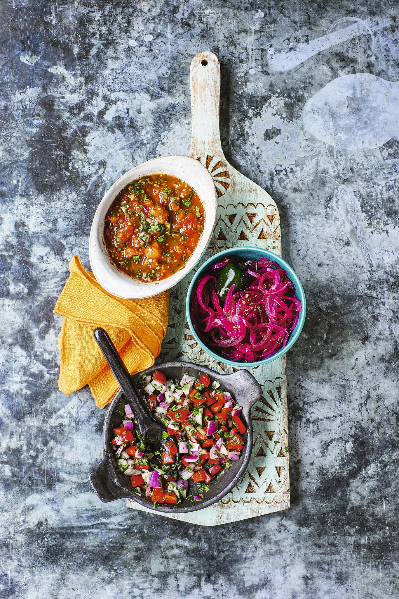 Salsa Fresca, red chunky salsa and lime red onions are flavourful taco add-ons. (Peter Cassidy Photo)</p>