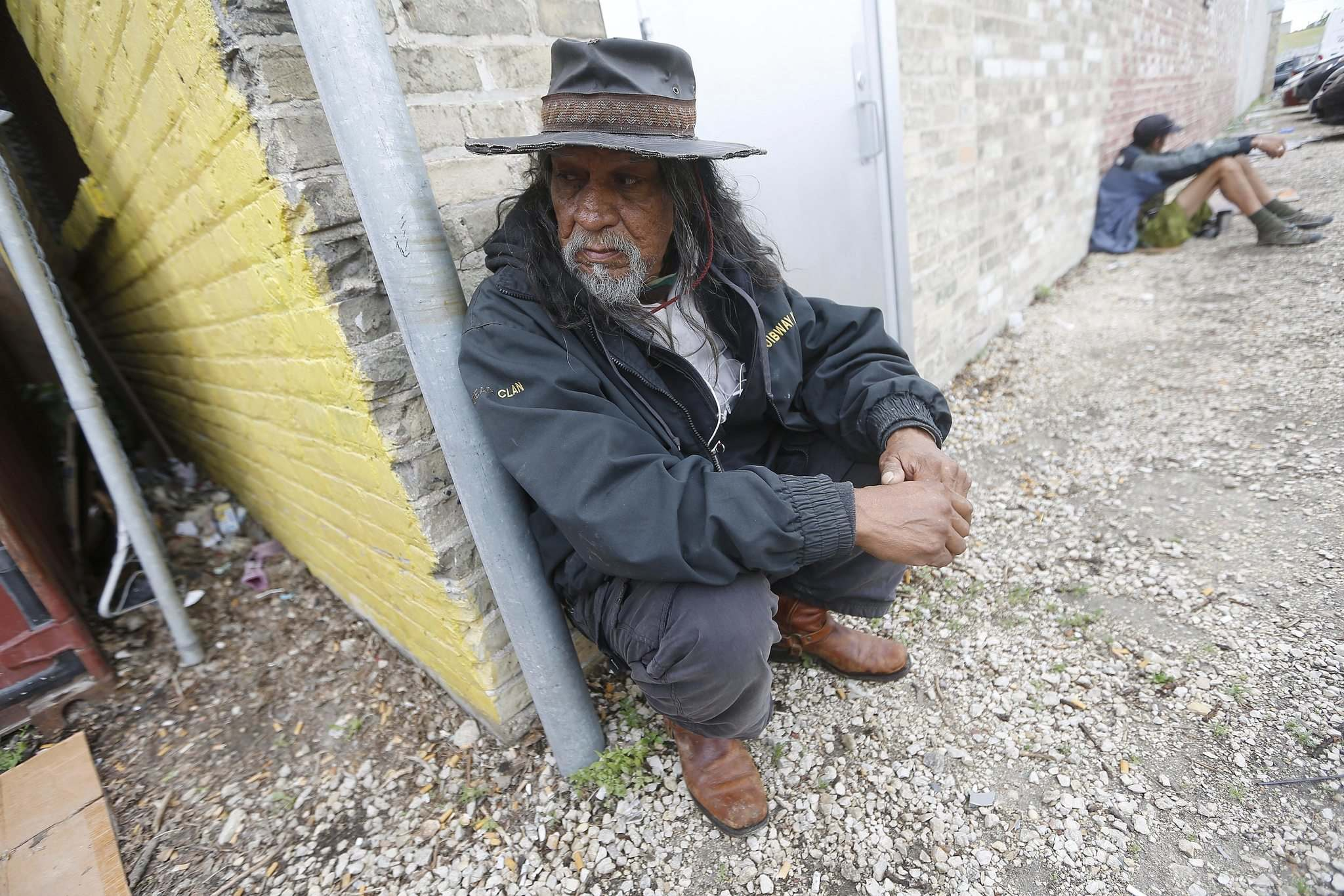 JOHN WOODS / WINNIPEG FREE PRESS</p><p>Gordon Kent waits to get into Siloam Mission on Monday. &#8216;The creator gave us land to live off and, next thing you know, you&rsquo;ve got no place to live,&rsquo; Kent said.</p></p>