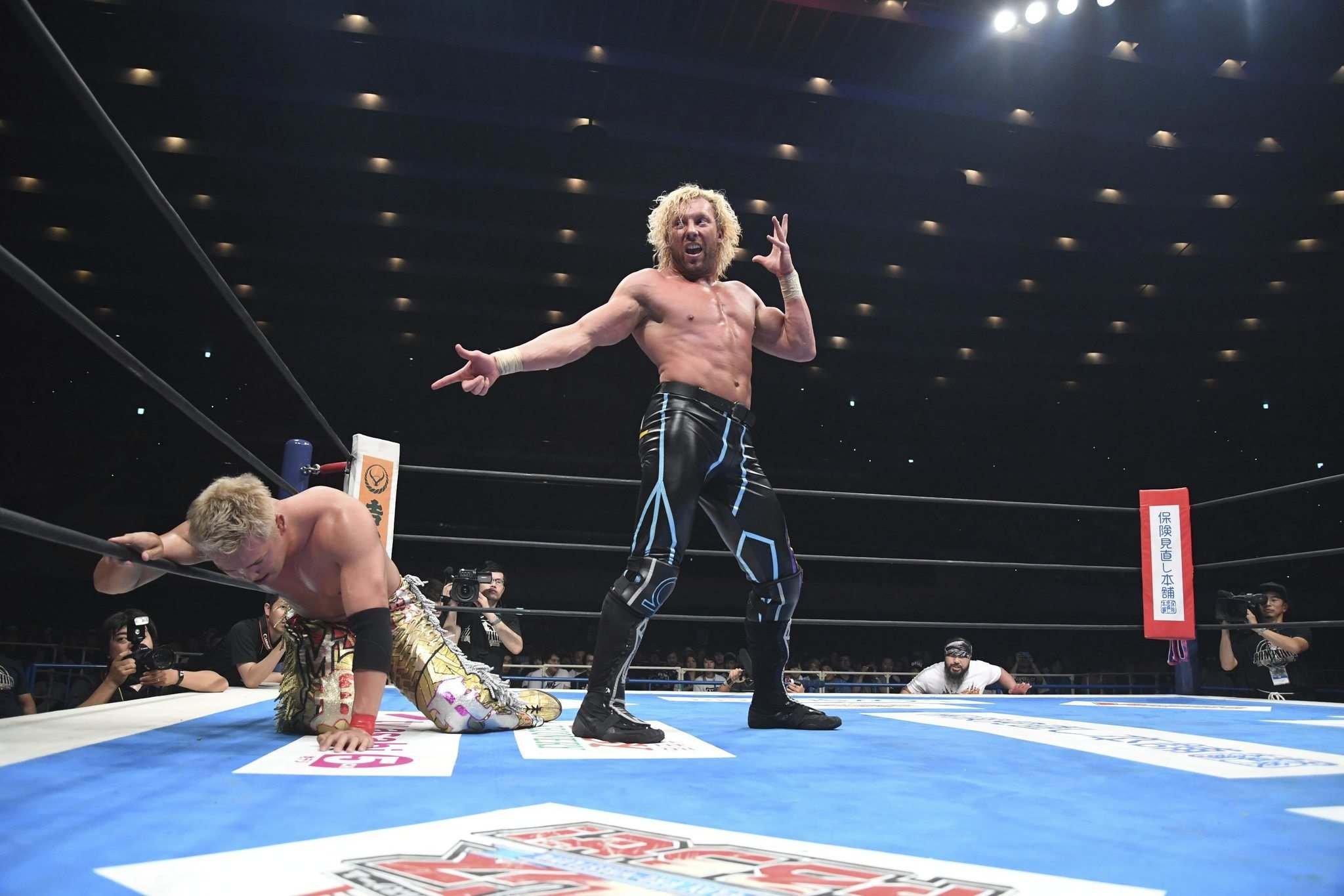 Winnipeg's Kenny Omega made history by winning the IWGP heavyweight championshi against Kazuchika Okada, a two-out-of-three-falls match that lasted nearly 70 minutes. It is being regarded by many as the greatest pro wrestling match of all time. (TV ASAHI NJPW, AXS TV)</p></p>