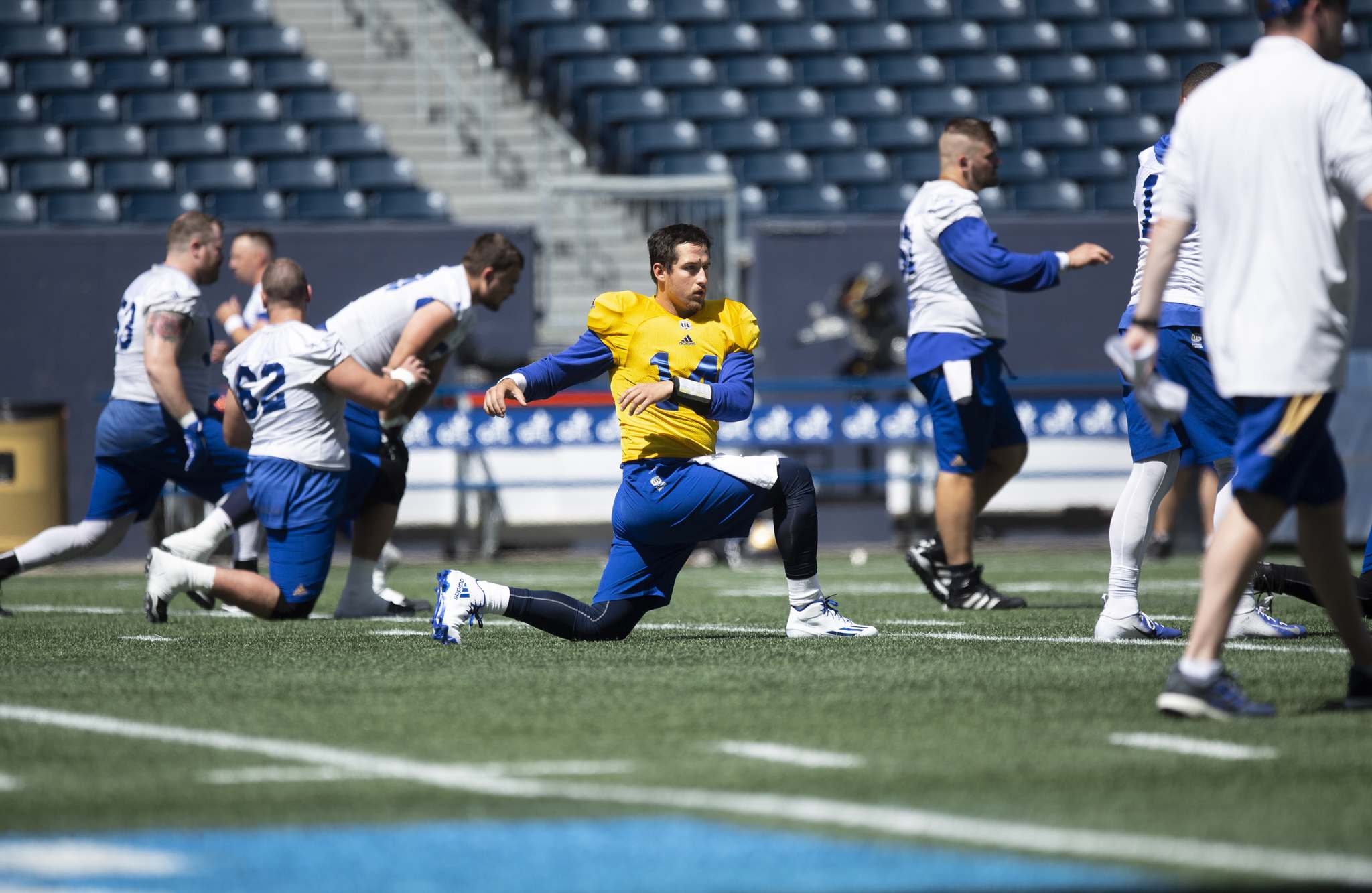 New Blue Bombers quarterback Mitchell Gale practised with his sixth CFL team Monday at Investors Group Field since arriving in the league as a free agent with the Toronto Argonauts in 2013. (ANDREW RYAN / WINNIPEG FREE PRESS)</p>