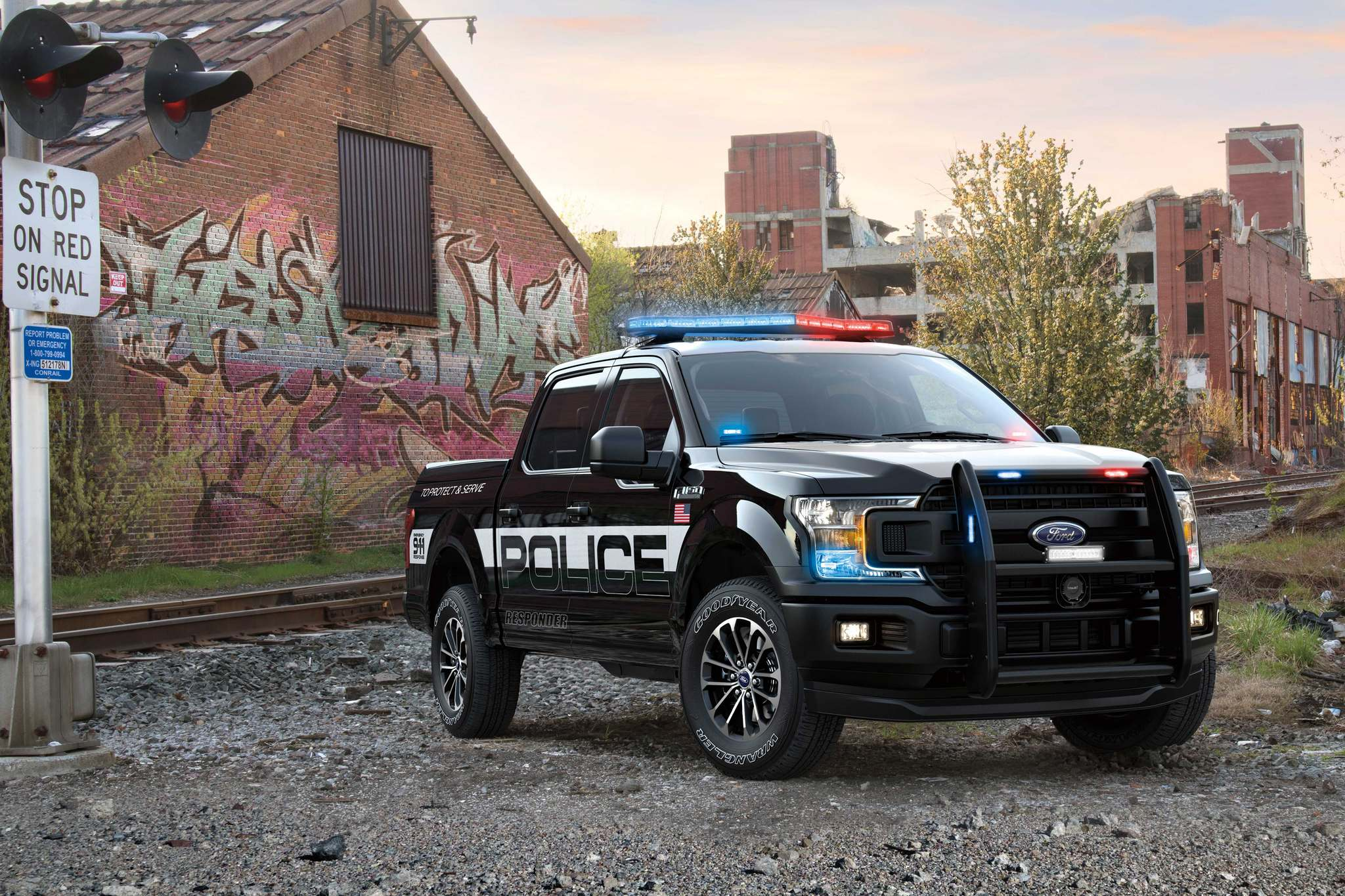 FordFord sells a 2018 F-150 Police Responder pickup to law enforcement agencies.