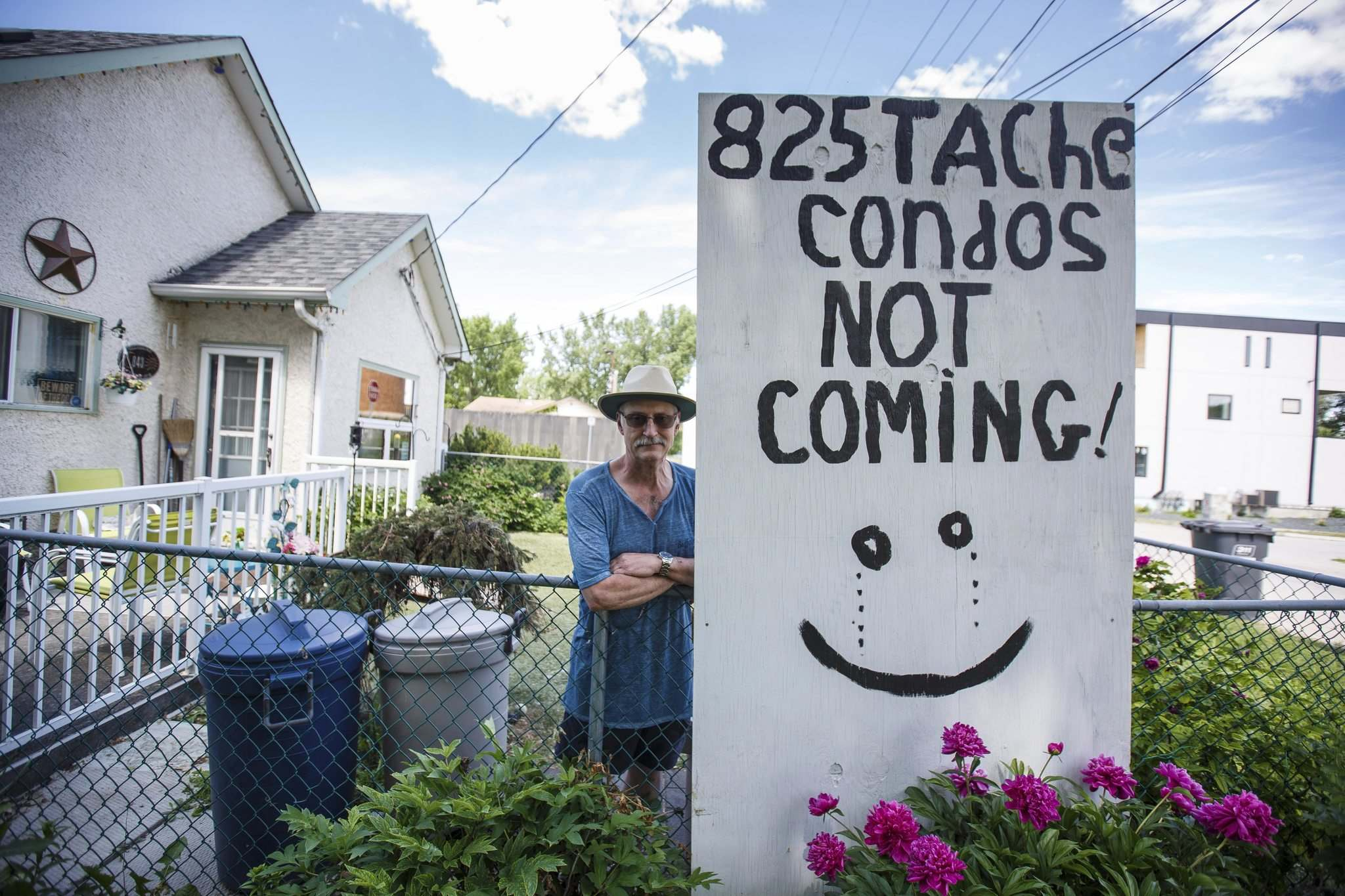 MIKE DEAL / WINNIPEG FREE PRESS</p><p>Leo Pelland is one of two residents fighting a condo development at 825 Tache Ave. Pelland claims the city gave him the right to use the land it now wants.</p>