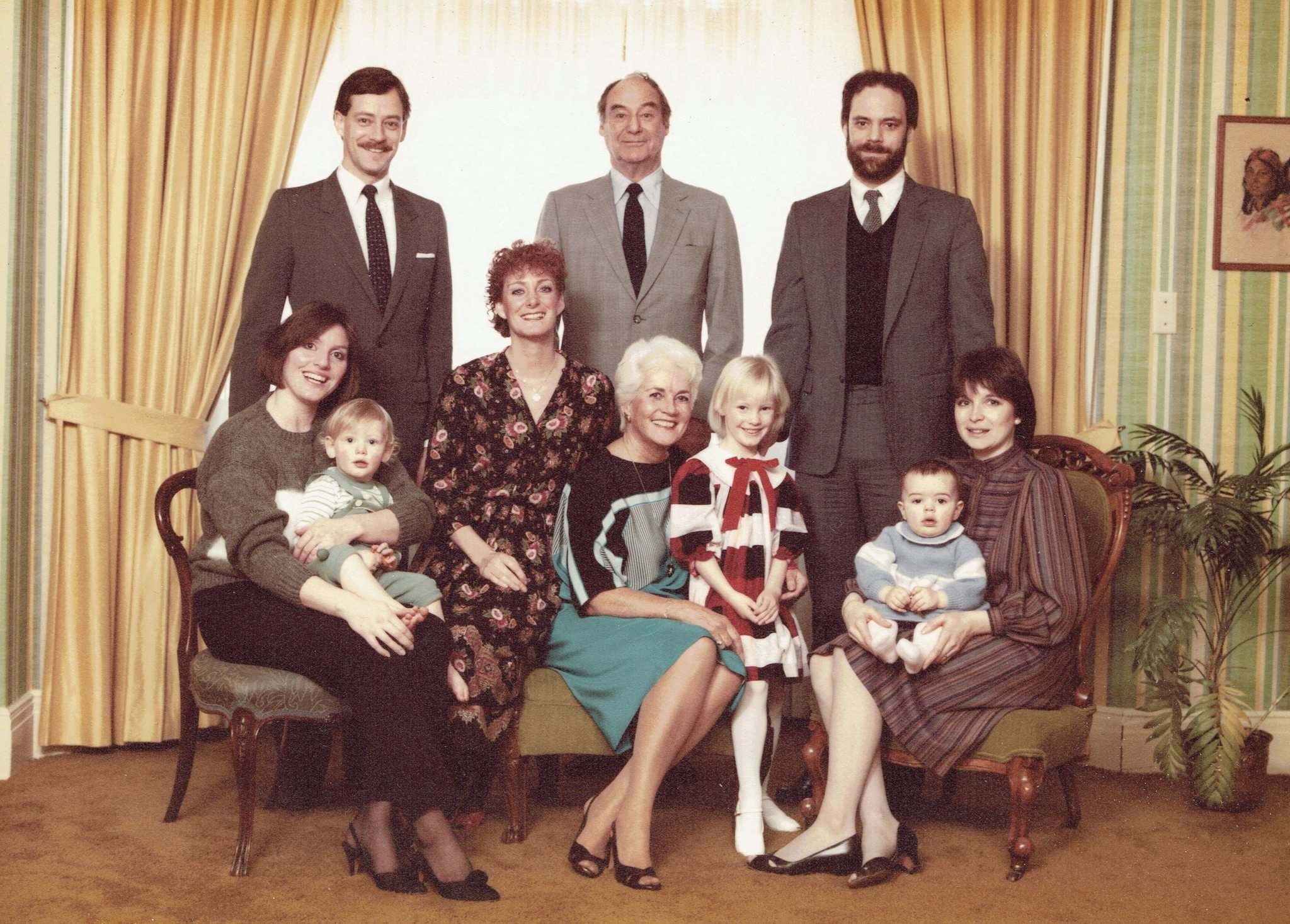 Jack Perrin, centre, owner of Hotel Fort Garry, in a family portrait taken in a suite at the hotel in 1984. John Perrin, son, is at left. (Supplied)</p>