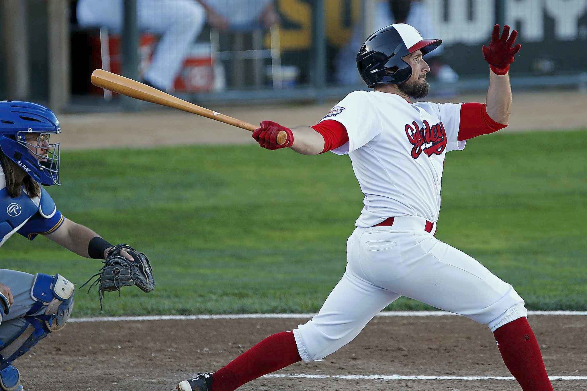 JOHN WOODS / WINNIPEG FREE PRESS</p><p>Winnipeg Goldeyes&#39; Tucker Nathans bats against the Sioux Falls Canaries in Winnipeg Monday.</p>