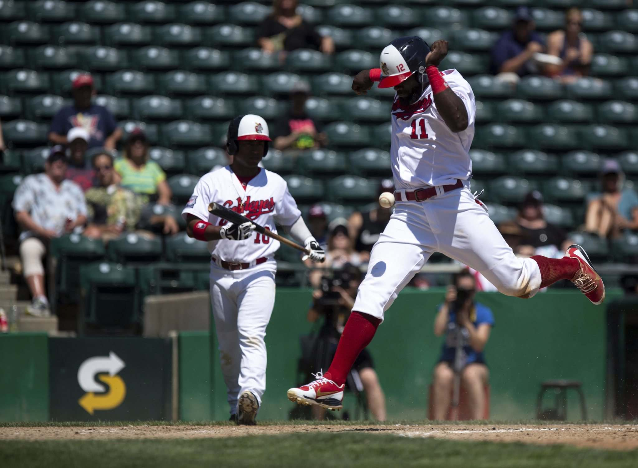 ANDREW RYAN / WINNIPEG FREE PRESS</p><p>Reggie Abercrombie scores the first run for the Winnipeg Goldeyes at Shaw Park Tuesday.</p>