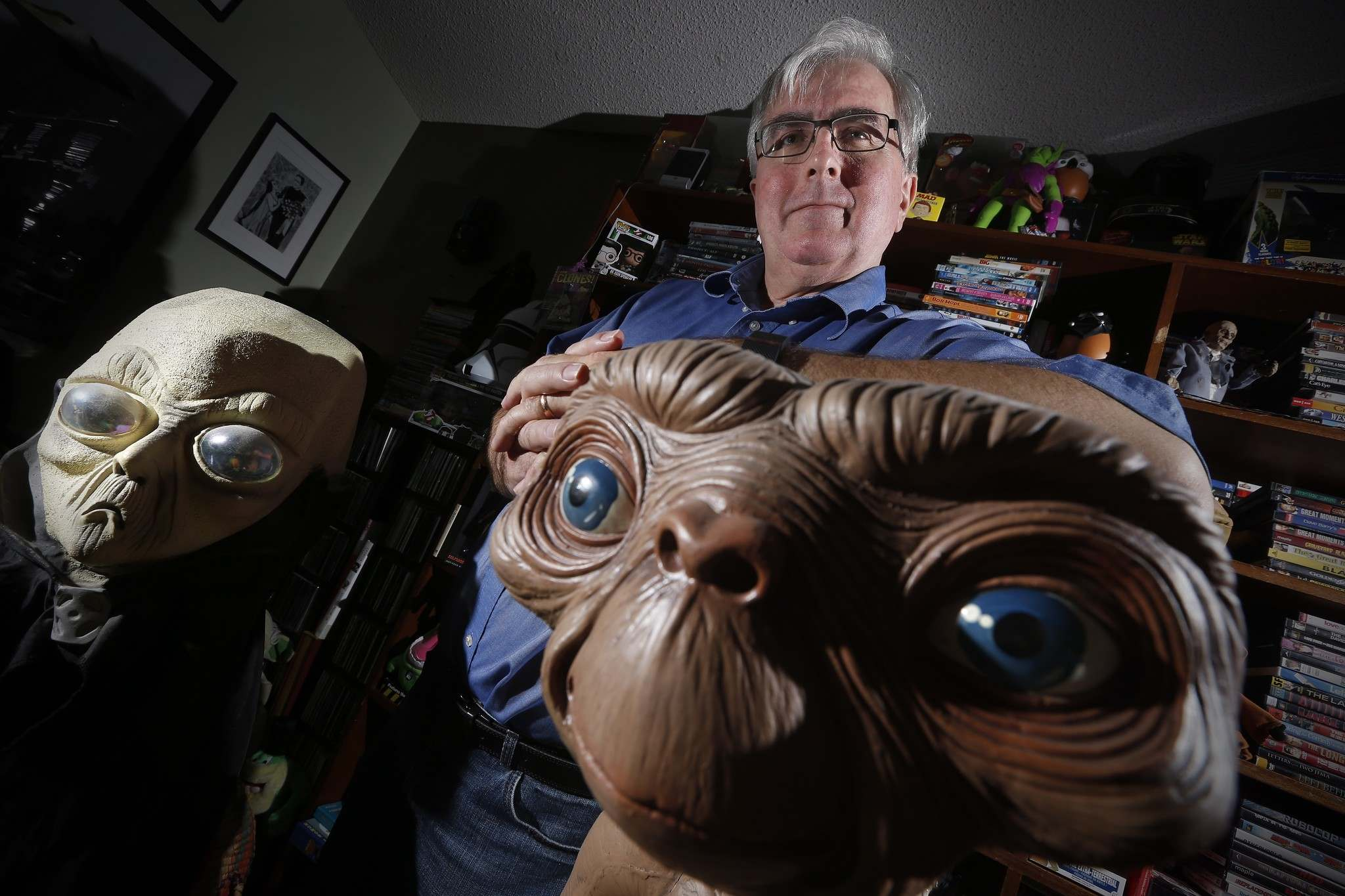 THE CANADIAN PRESS/John Woods</p><p>Chris Rutkowski, Canada's foremost UFO expert, in his Winnipeg home. Rutkowski helms Ufology Research which released it's yearly Canadian UFO Survey Tuesday.</p>